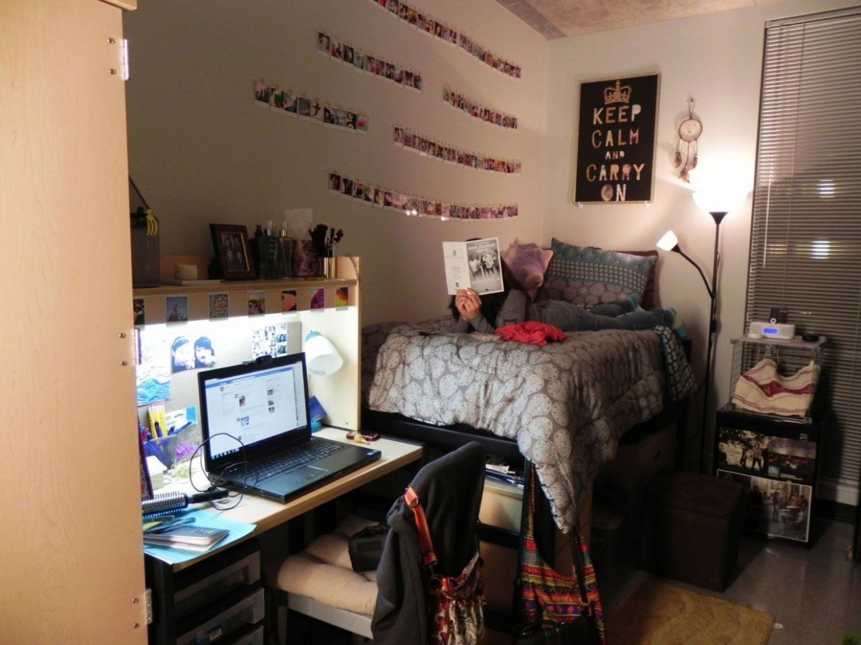 Planning For Home Decor Accessories | Cool dorm rooms, Cheap dorm ...