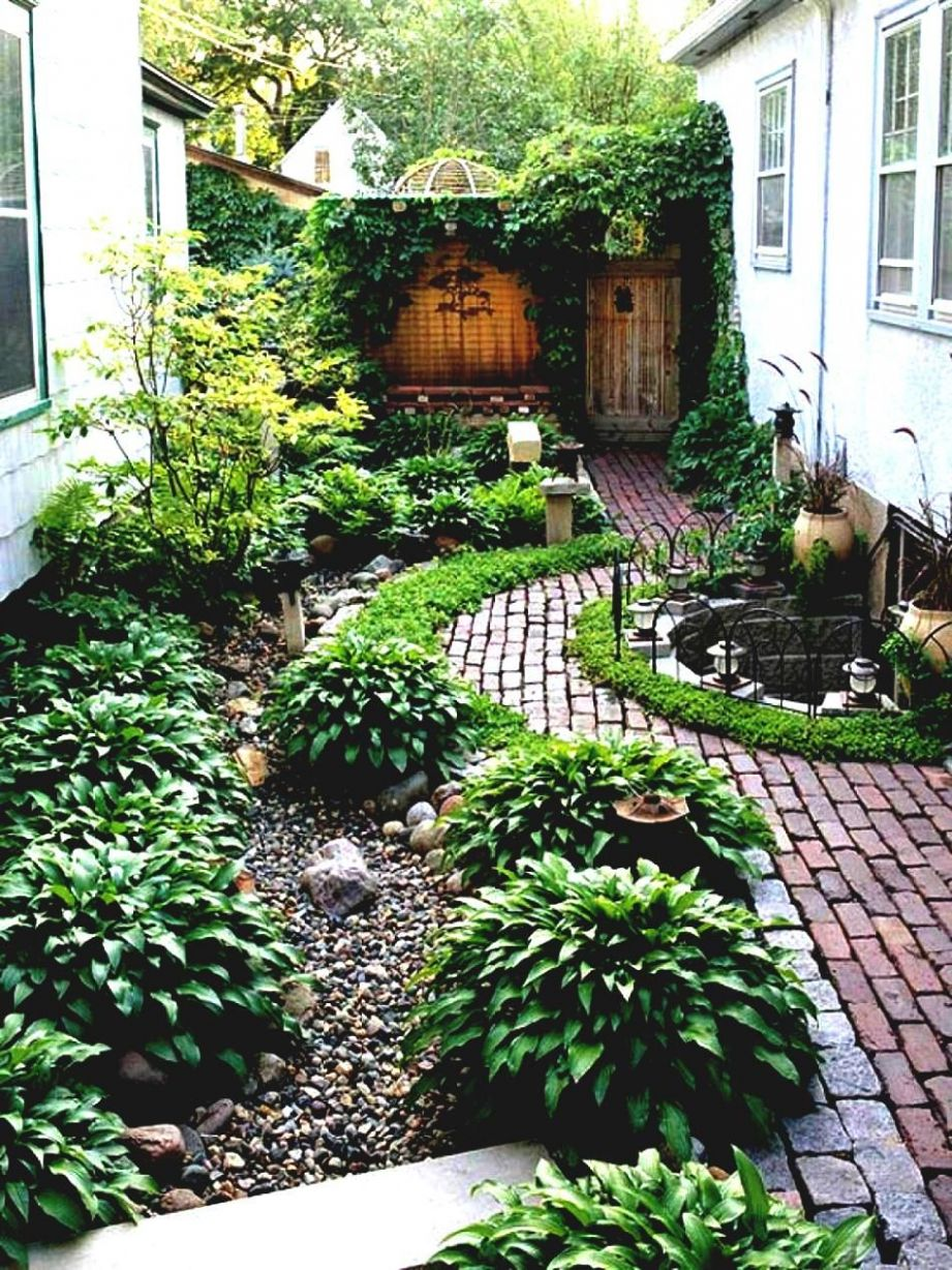 Simple Landscaping Ideas Around House Garden And Patio Narrow Side ..