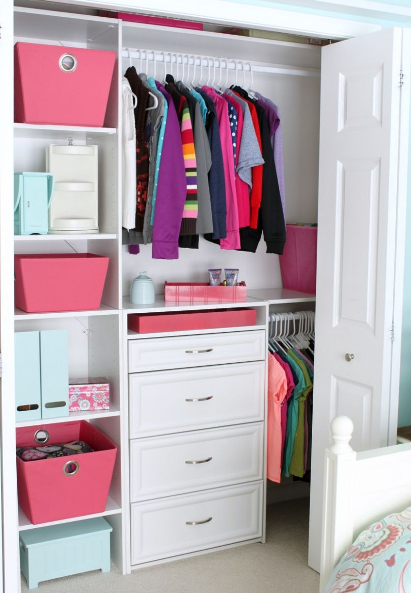 Small Reach-in Closet Organization Ideas | The Happy Housie - closet ideas with drawers