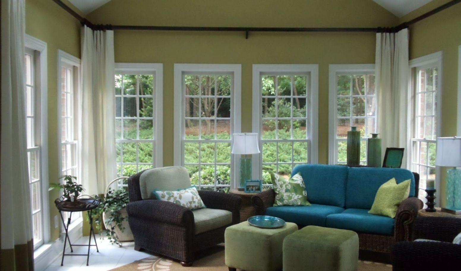 Sunroom makeover: On my list - love the higher curtain. Interior ...