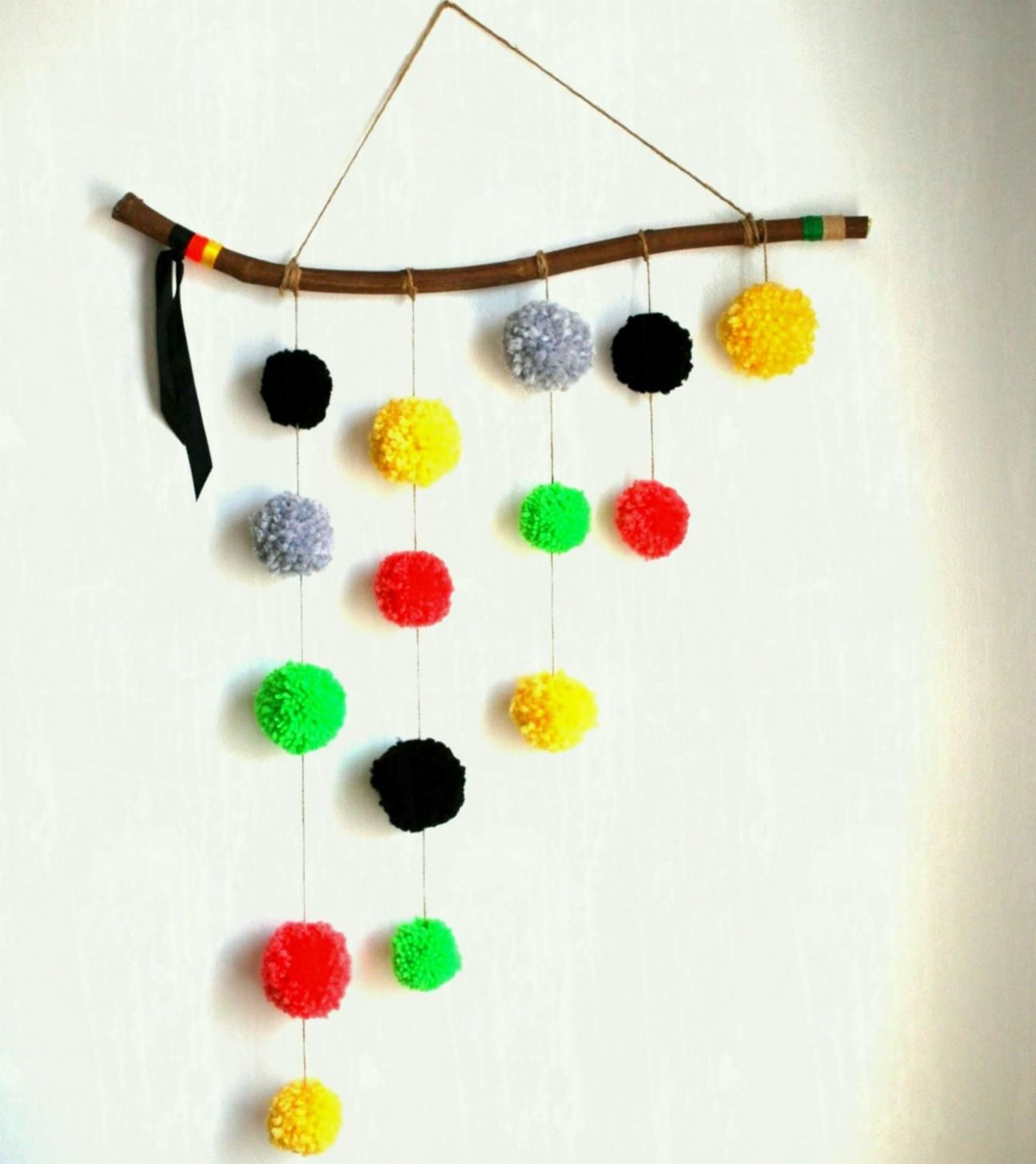 Terrific Wall Hanging Ideas With Waste Material For School ...