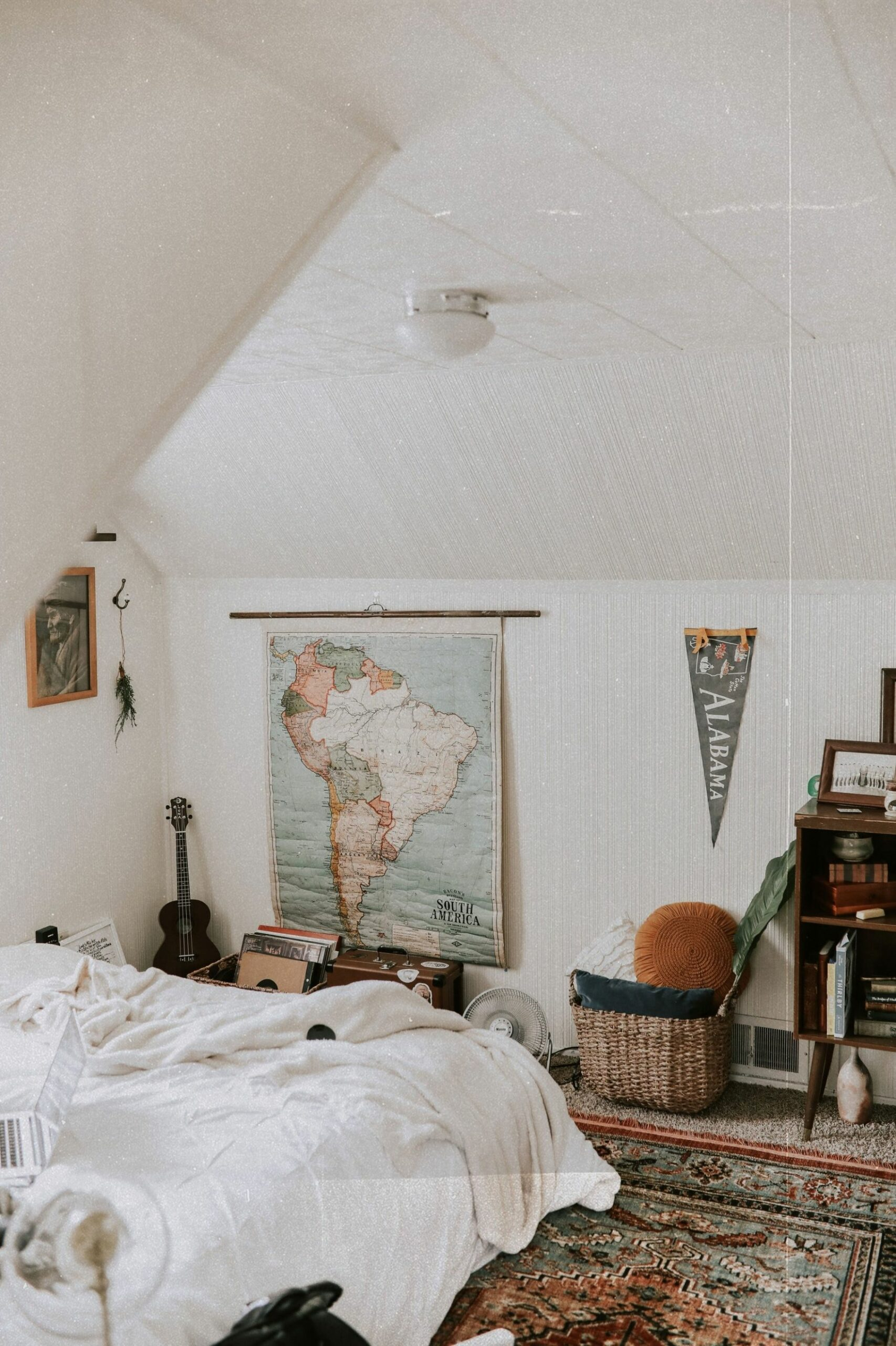 The Best Dorm Room Decor Ideas, According to Your Major | Her Campus