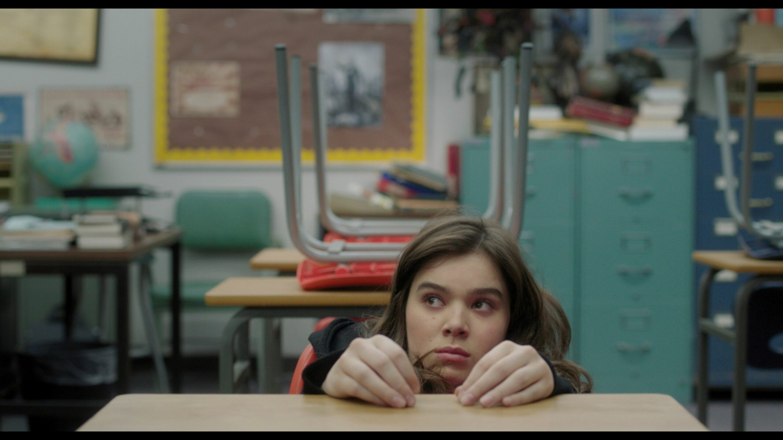 The Edge of Seventeen' Hair and Makeup Reflects Teenage Alienation ...