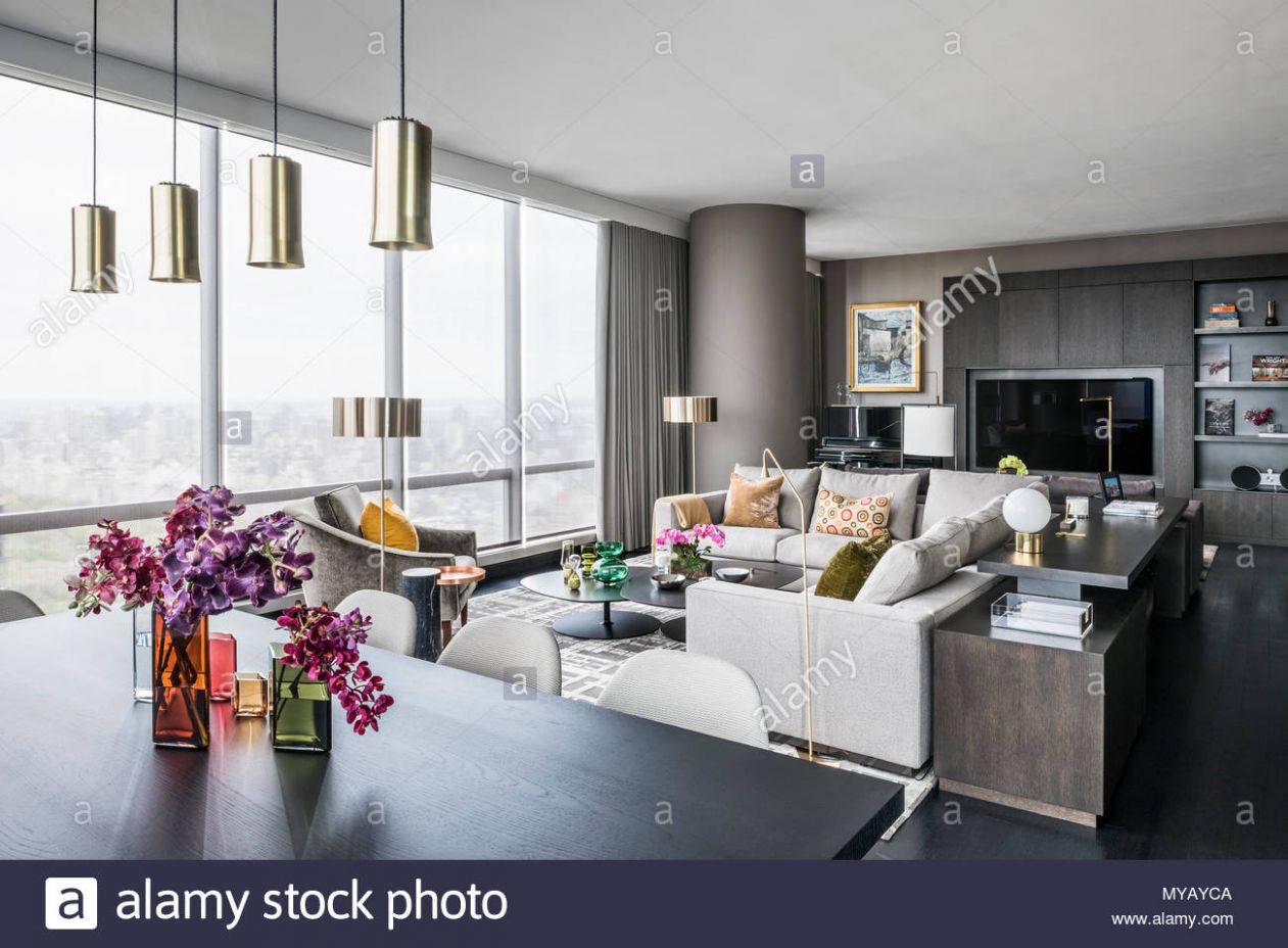 Wohnzimmer in modernes Apartment in New York City, USA' Stockfoto ...