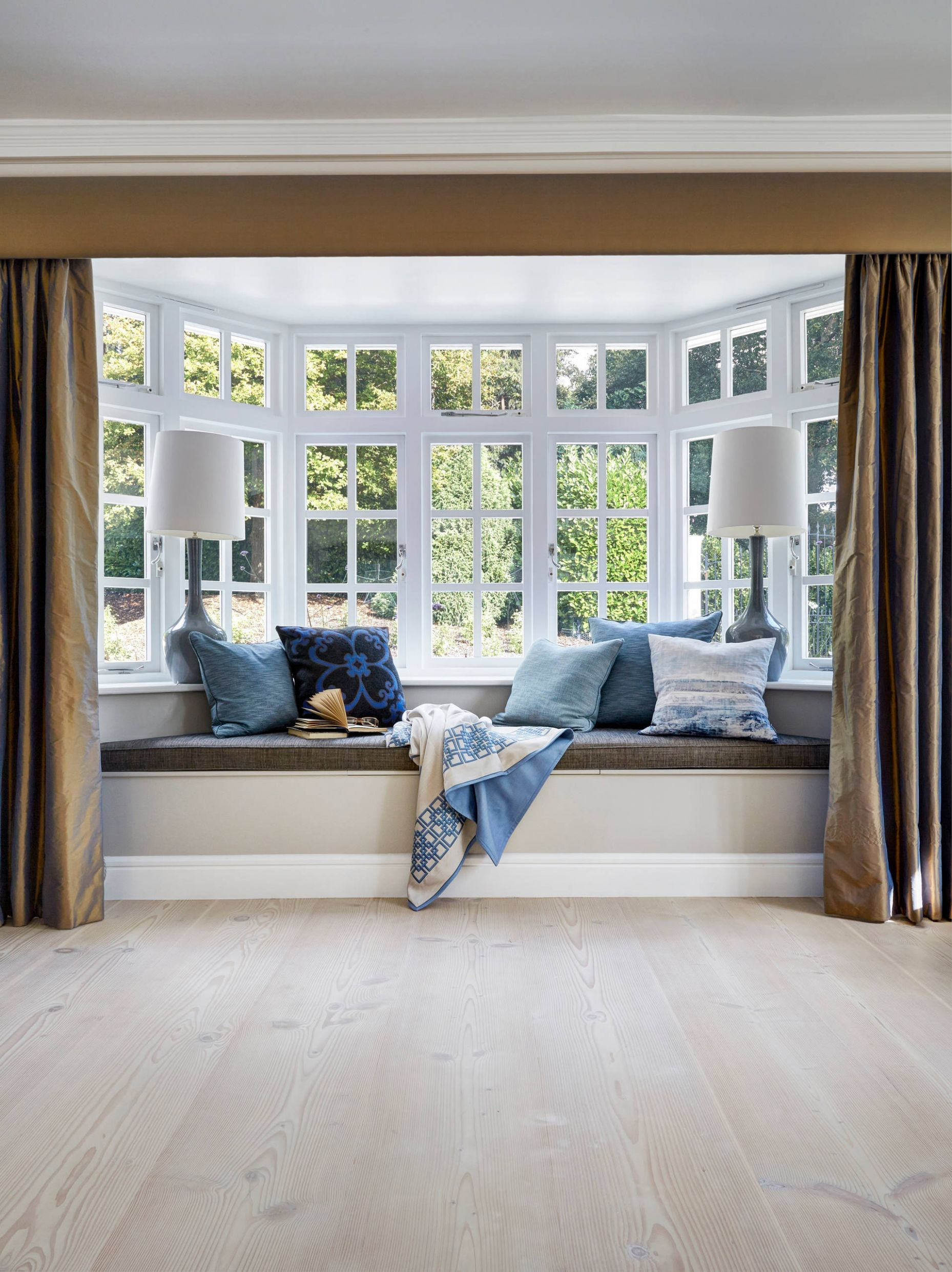 10 Bay Window Treatments To Ponder For Your Panes - window ideas for bay windows