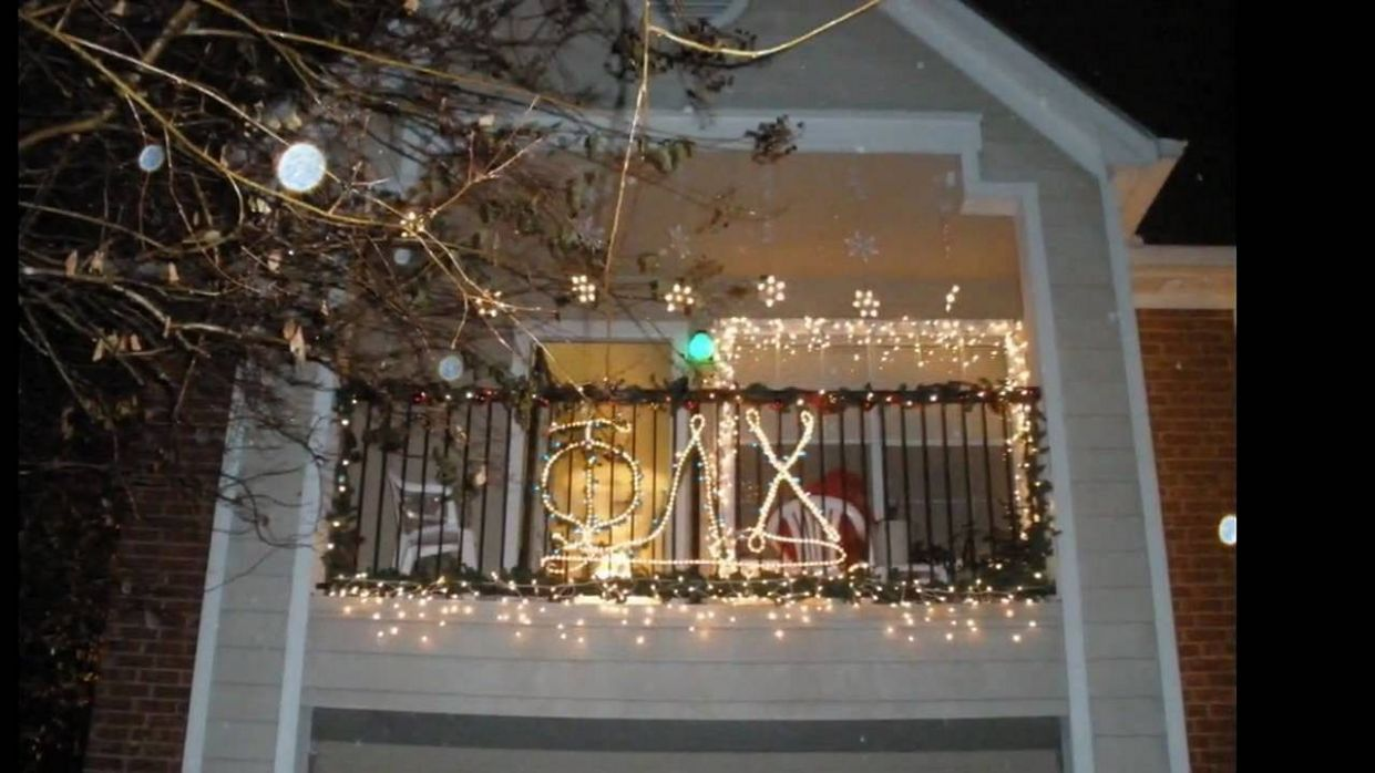 10 Best Apartment Balcony Christmas Light Decorating Ideas For ...