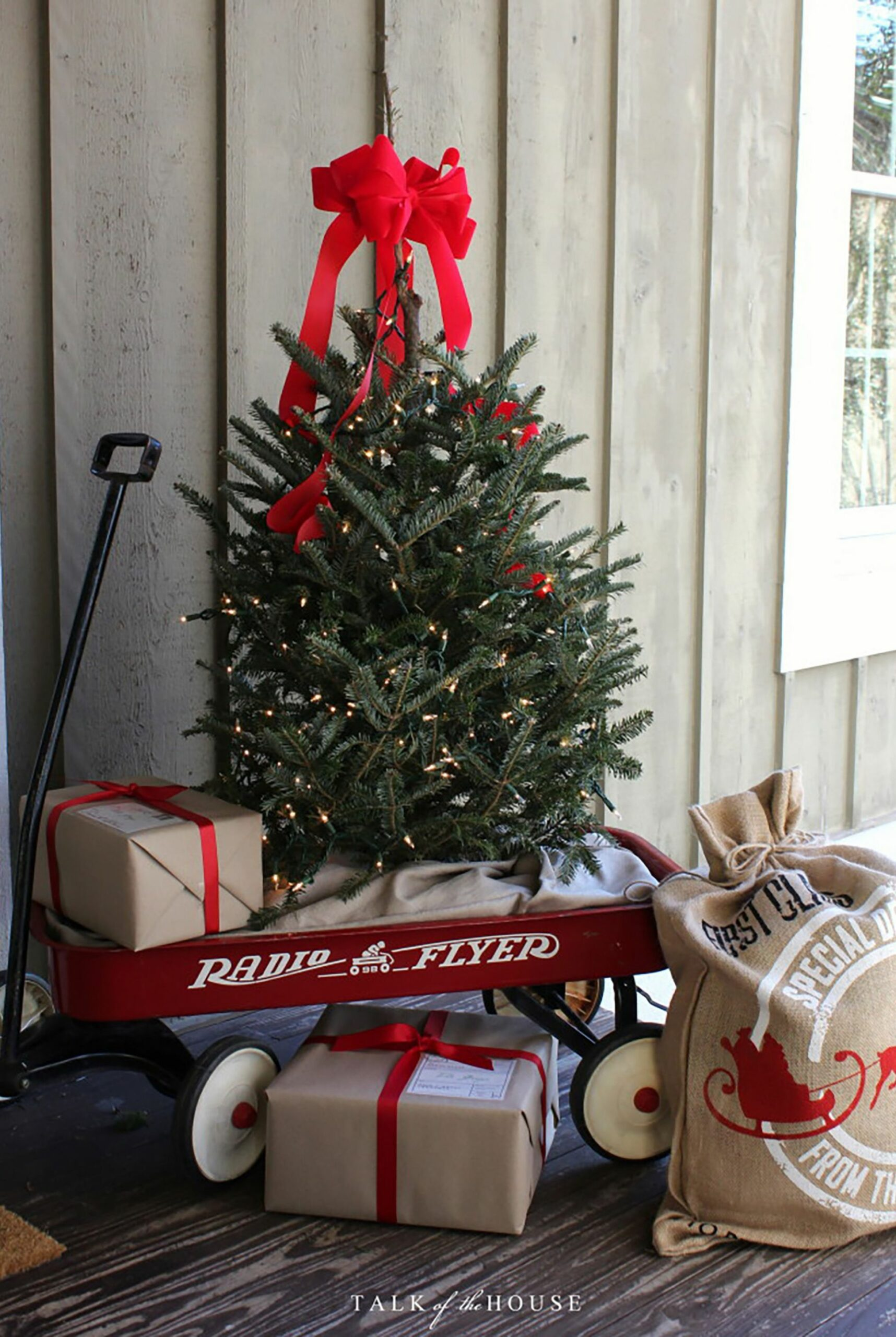 10 Best Outdoor Christmas Decorations - DIY Outside Christmas ...