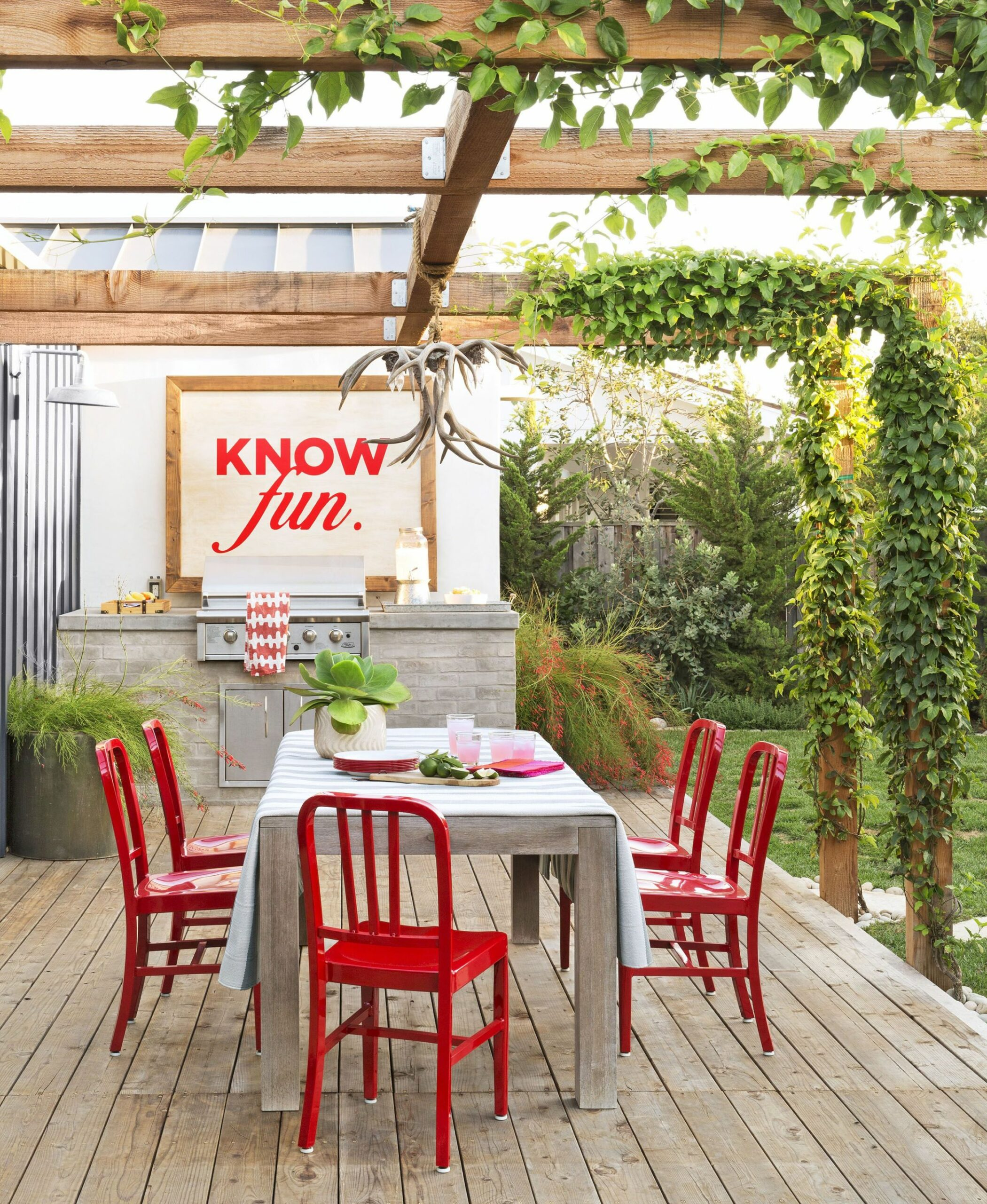 10 Best Outdoor Kitchen Ideas and Designs - Pictures of Beautiful ...