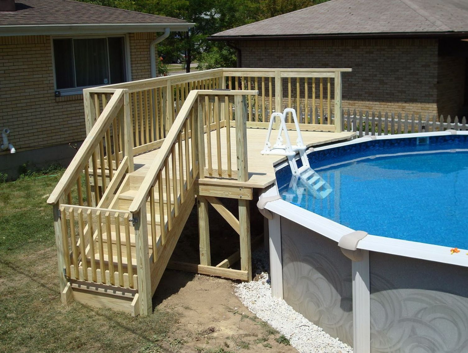 10+ Best Small Deck Ideas: Decorating, Remodel & Photos | Pool ..