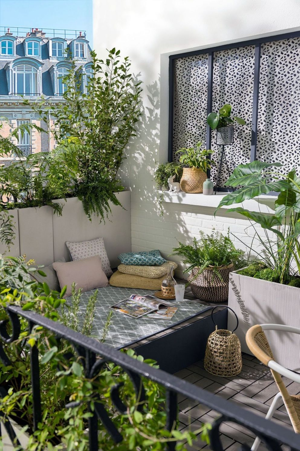 10+ Cozy Balcony Decorating Ideas | Small apartment balcony ideas ...
