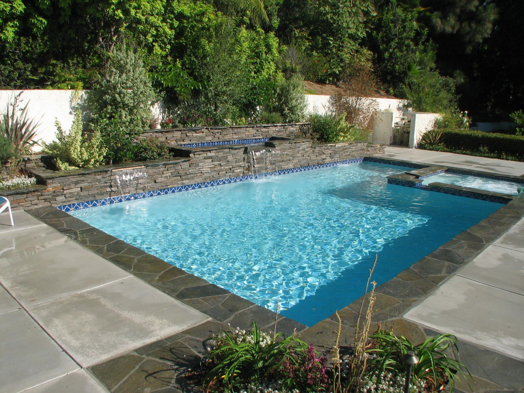 10 Creative Small Pool Ideas That Are Sparkling With Elegance ...
