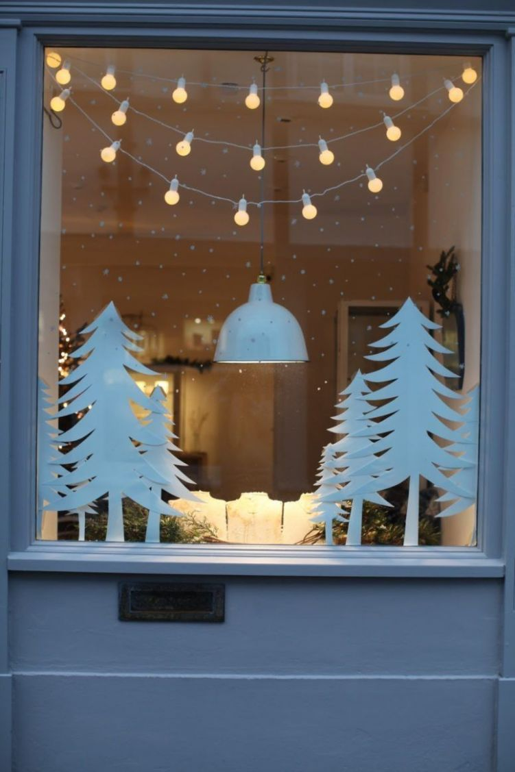 10 Elegant Christmas Window Decor Ideas (With images) | Christmas ..