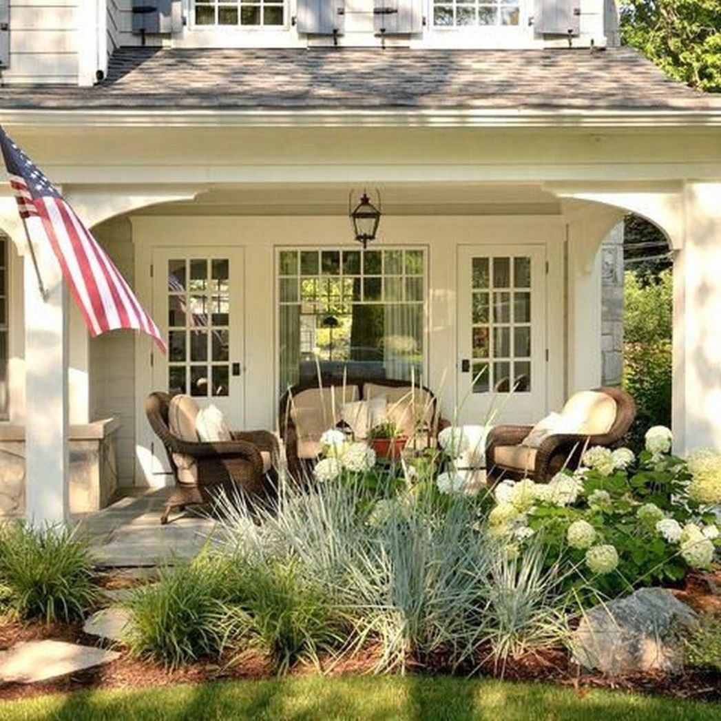 10 Farmhouse Landscaping Front Yard Ideas | Porch landscaping ..