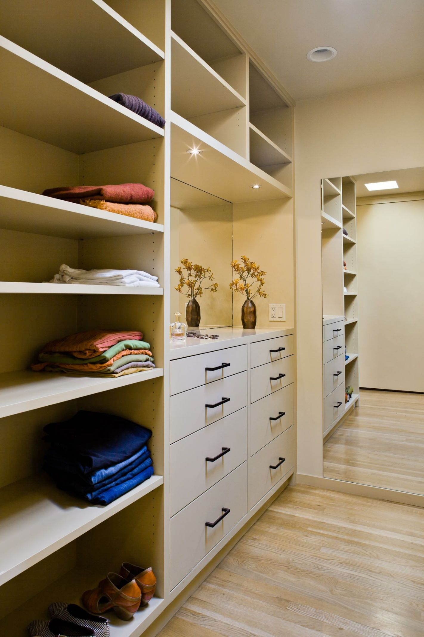 10 Great Walk-In Closet Ideas (With images) | Closet storage ...