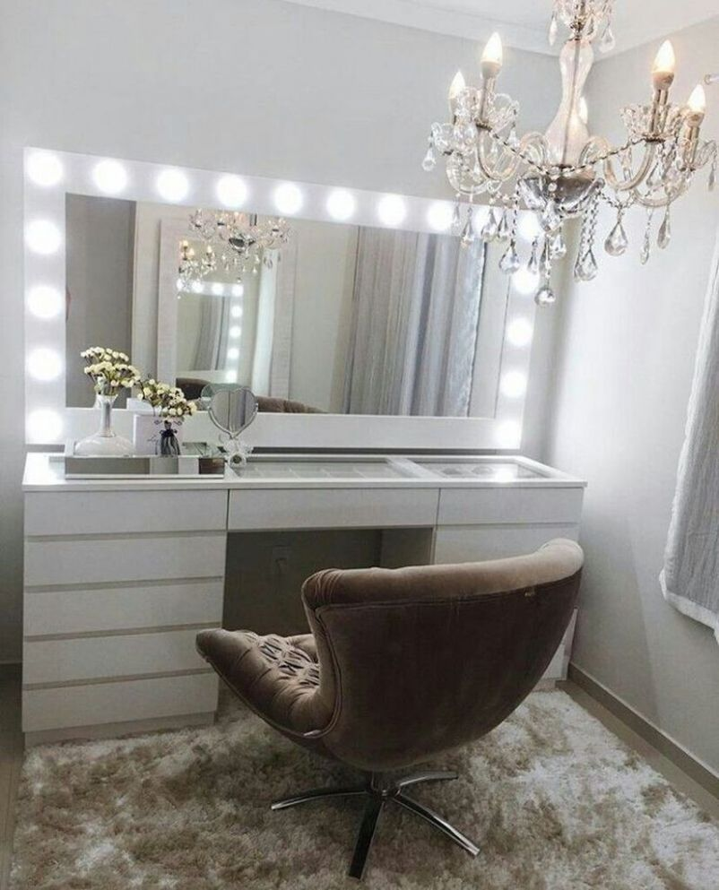 10 Perfect Small Makeup Room Decoration with Feminine Color ...