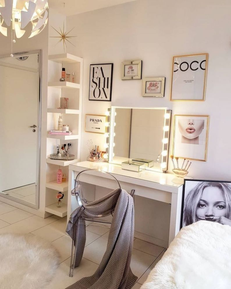 10 Perfect Small Makeup Room Decoration with Feminine Color Room ...