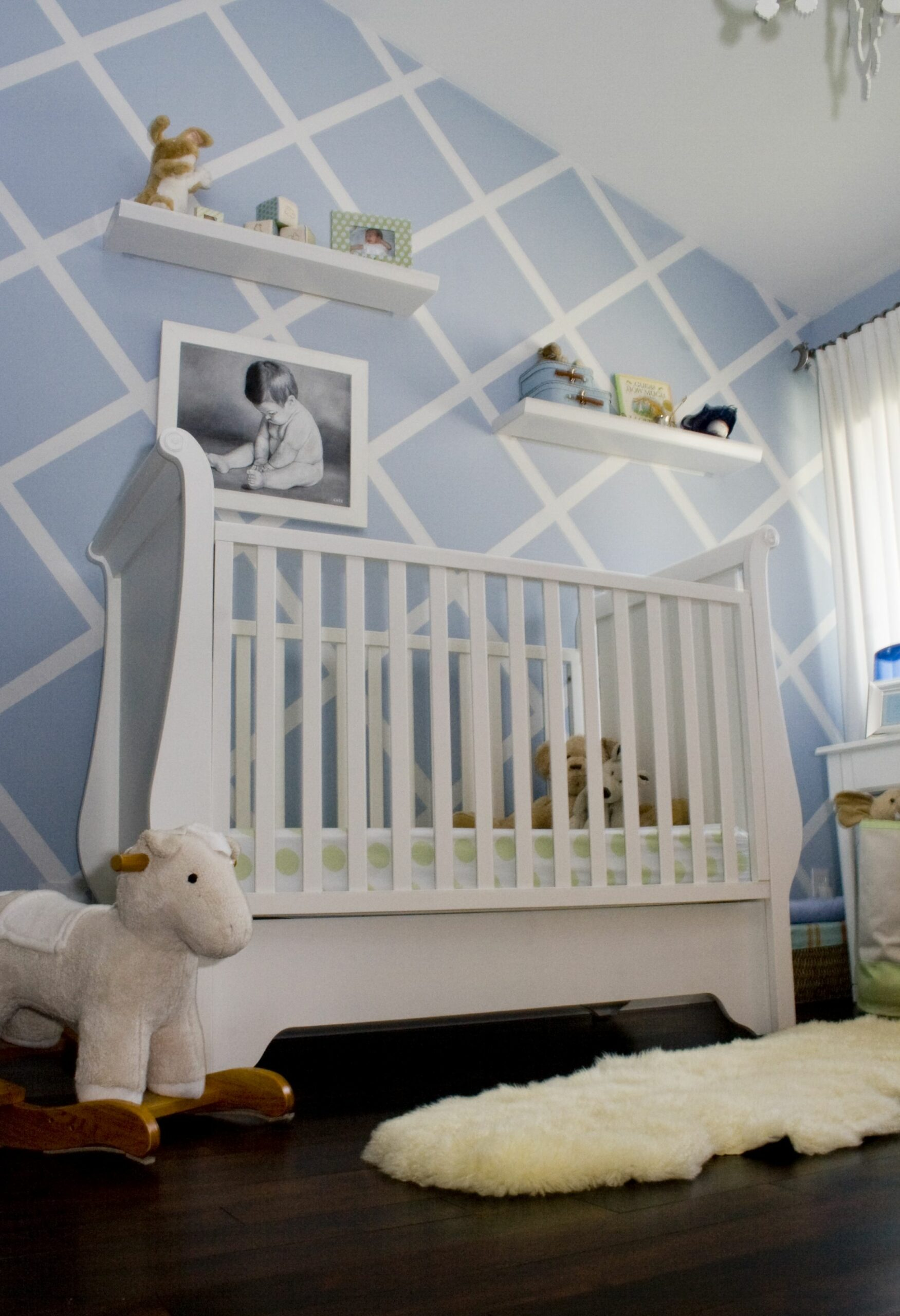 10 Reasons to Paint Your Nursery Blue - Project Nursery - baby room accent wall