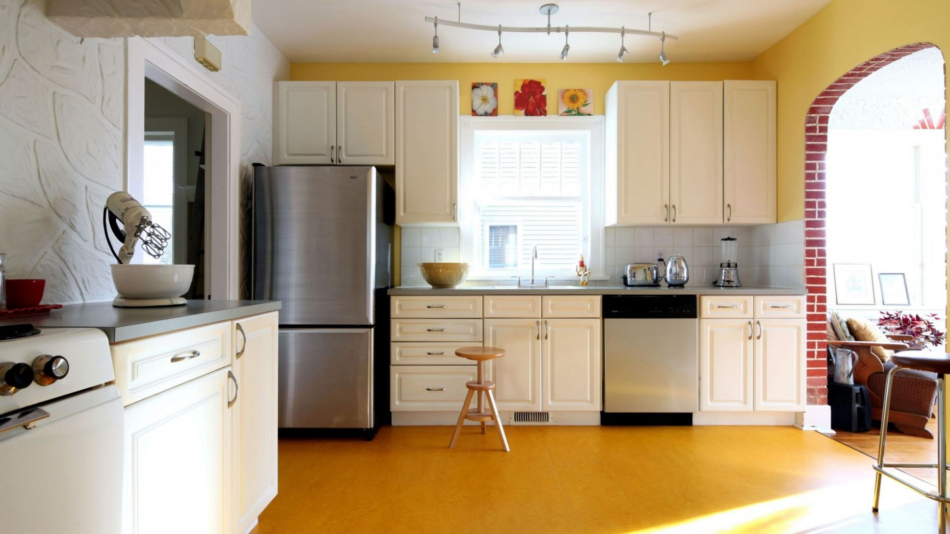 10 Simple Kitchen Ideas for a Beautiful Minimalist Home