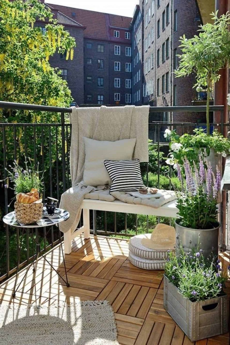 10 Super cool and breezy small balcony design ideas