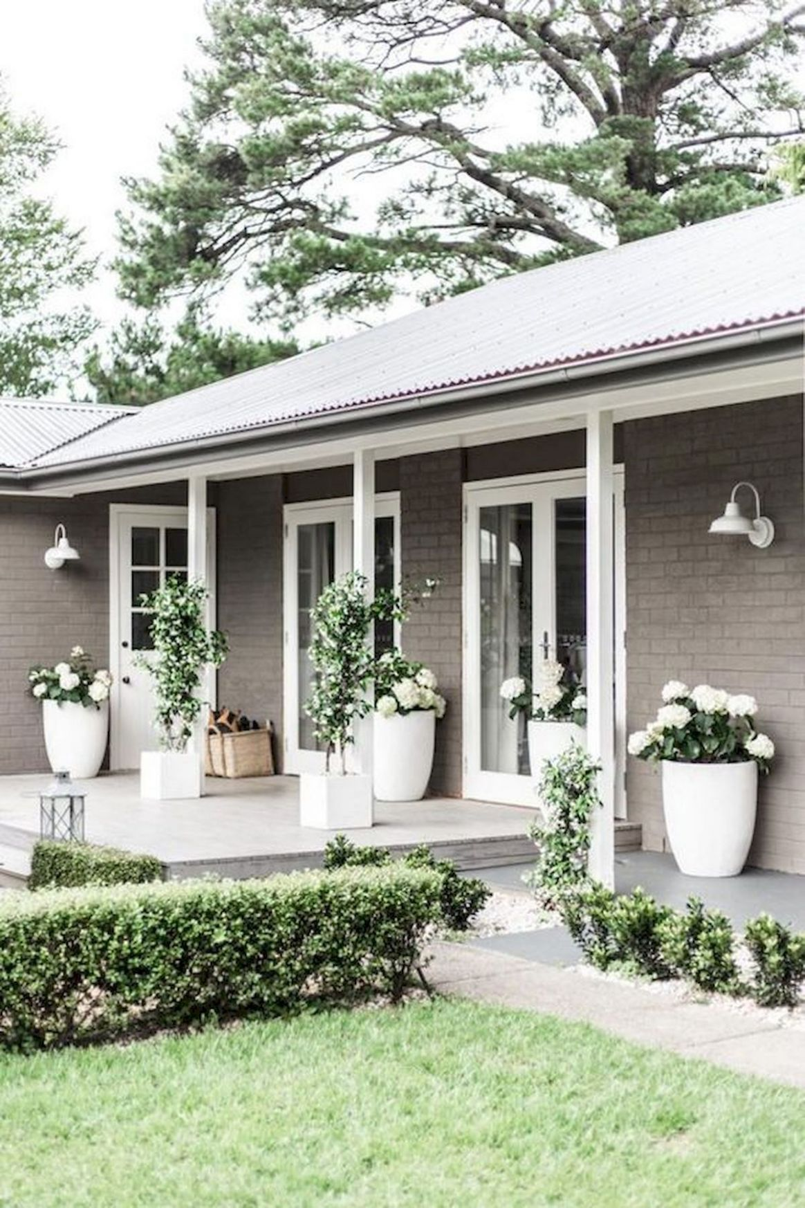 10 Wonderful Farmhouse Front Porch Ideas For More Homely ..