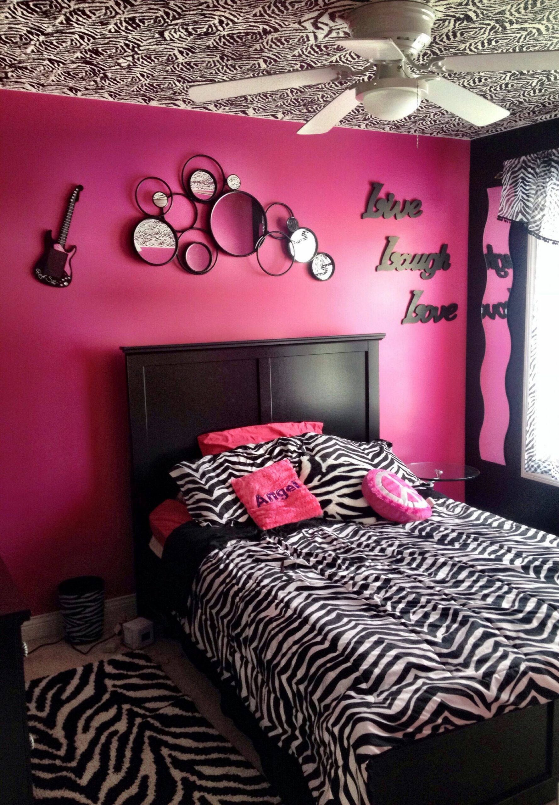 10 Zebra Teen Bedroom Designs, Teen Bedroom Decor Black Chandelier ...