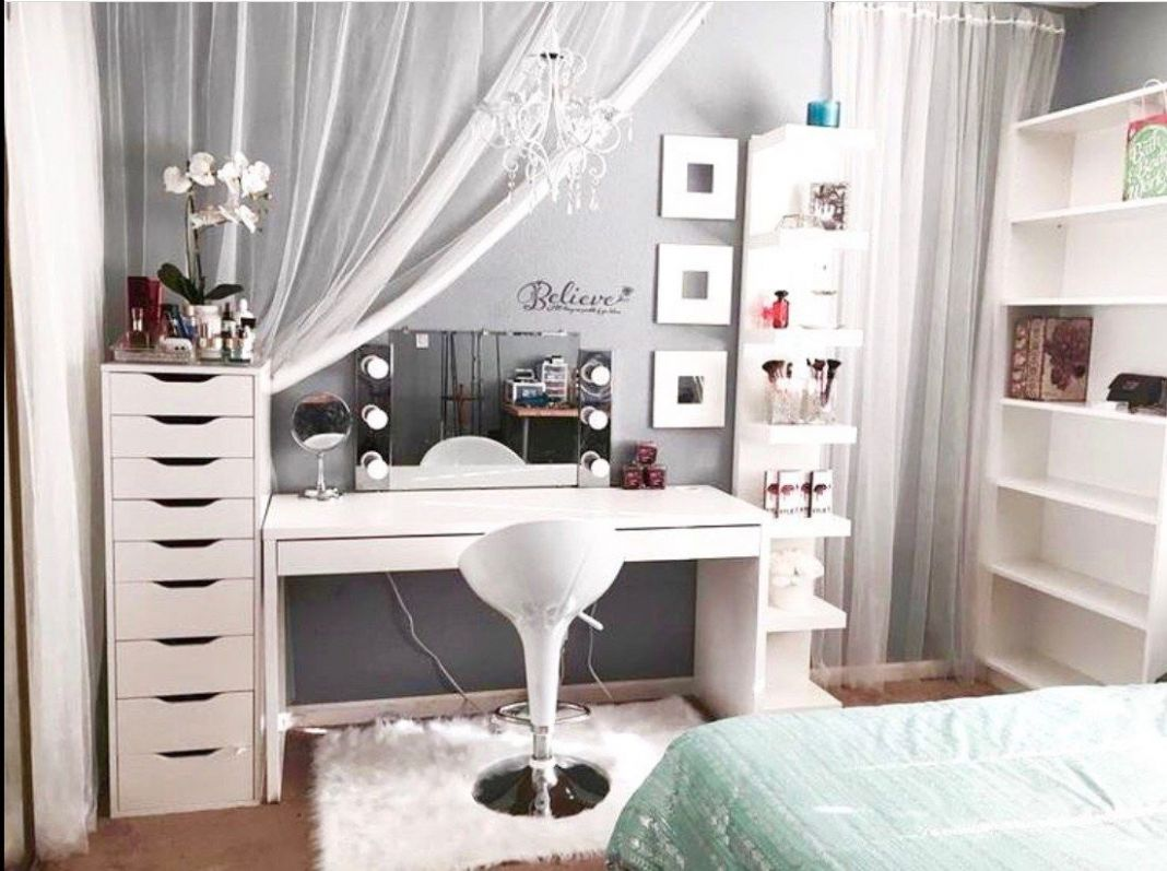 11 Beautiful Glam Room Ideas (With images) | Bedroom decor, Room decor