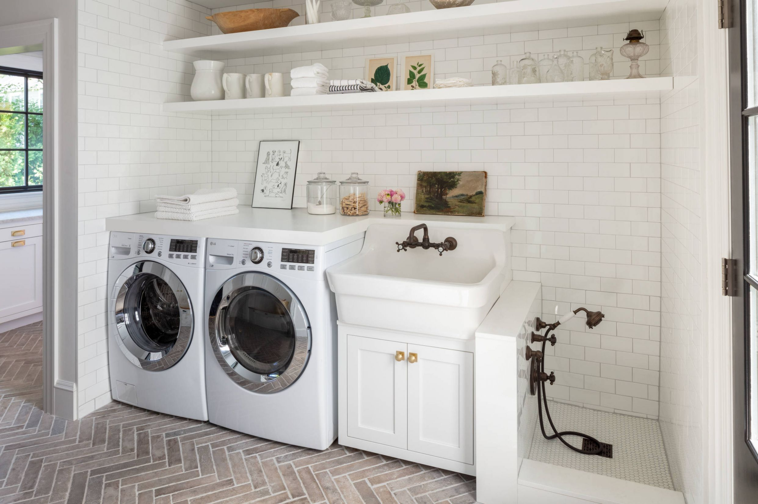 11 Beautiful Laundry Room Pictures & Ideas | Houzz - laundry room bar ideas