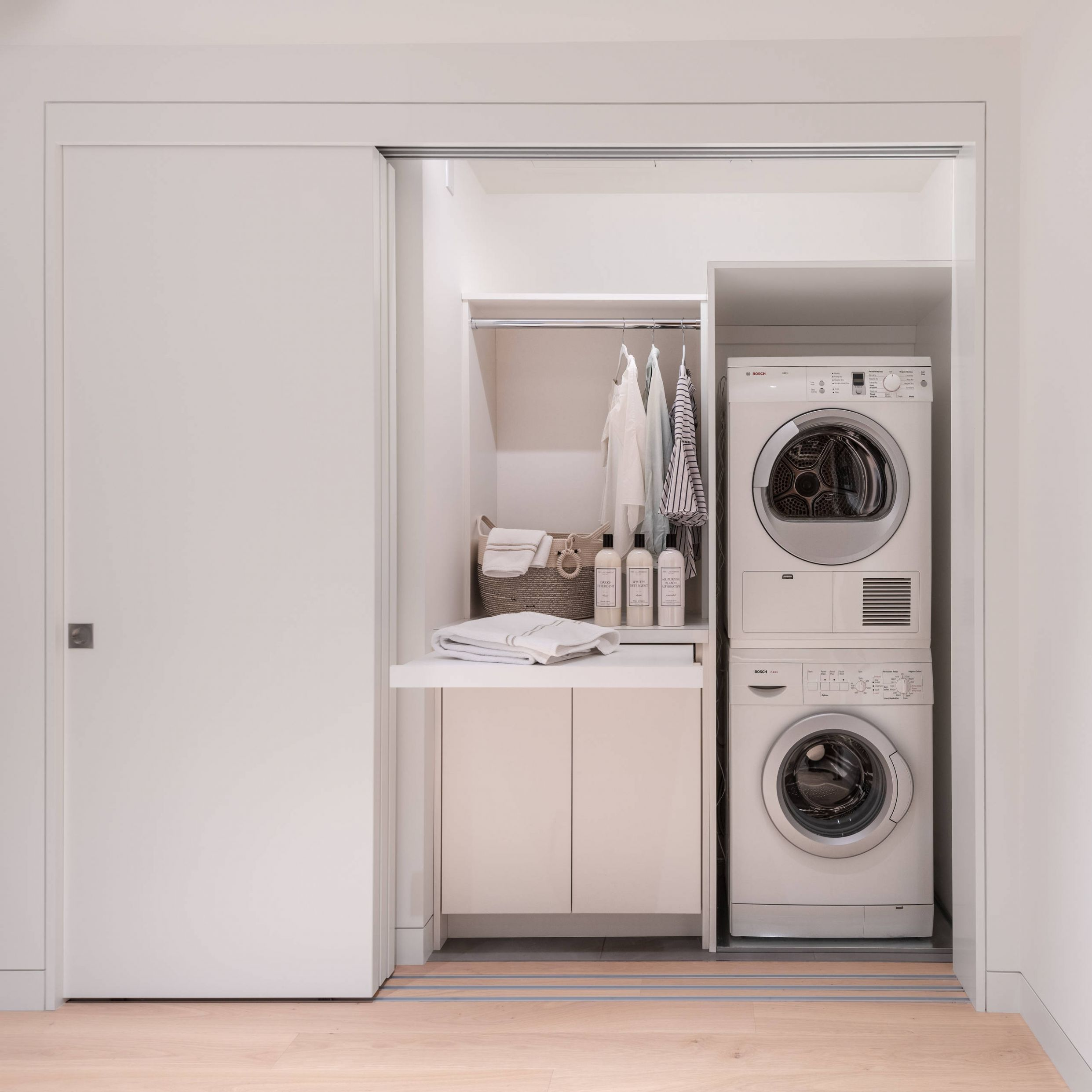 11 Beautiful Small Laundry Room With Flat-Panel Cabinets Pictures ..