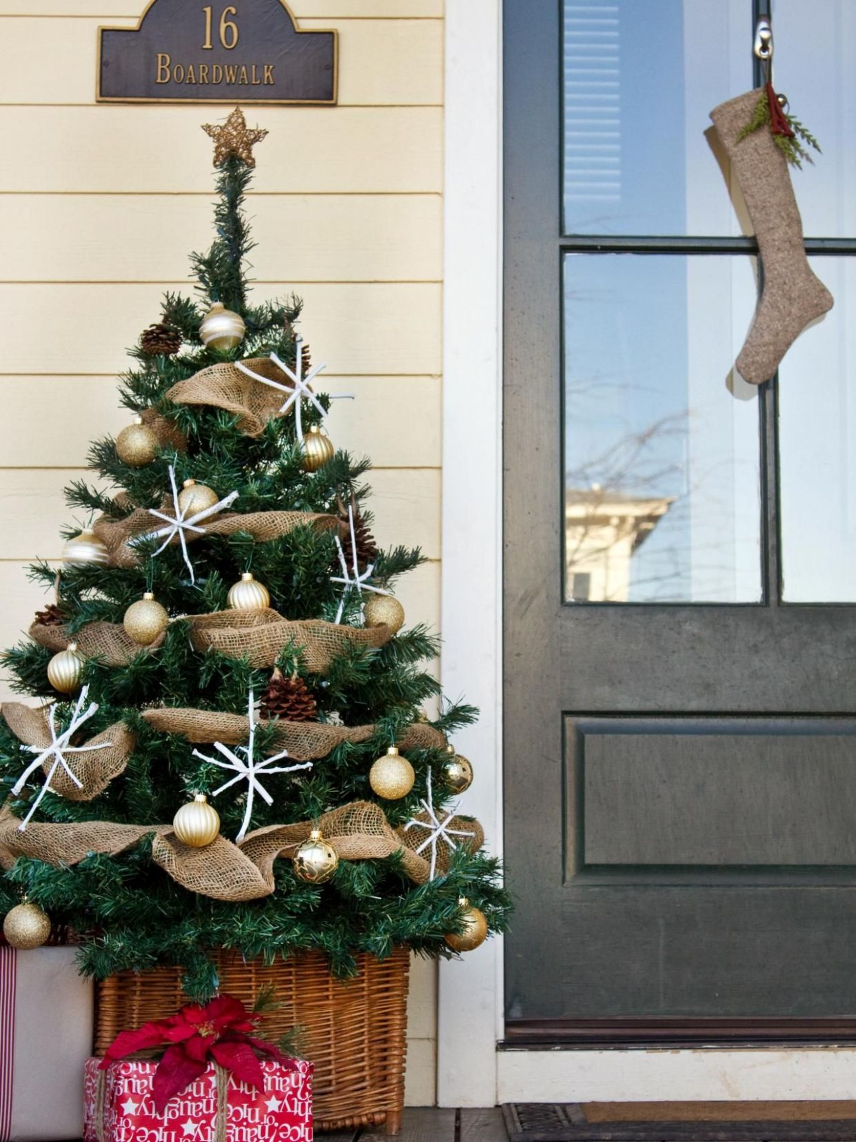 11 Best Outdoor Christmas Decorations for 11 🎄 (With images ..