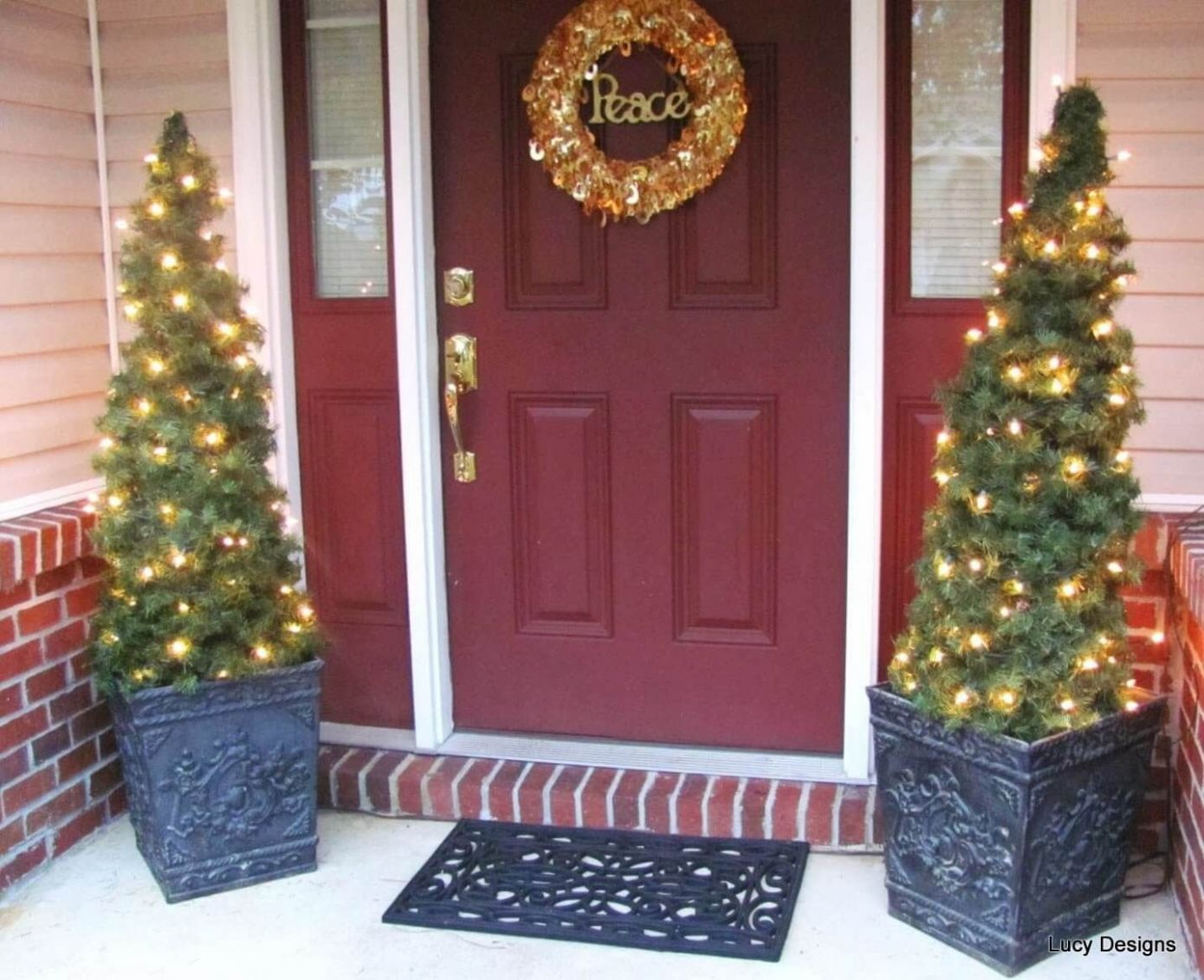 11 Charming Outdoor Christmas Tree Decorations You Must Try this ..