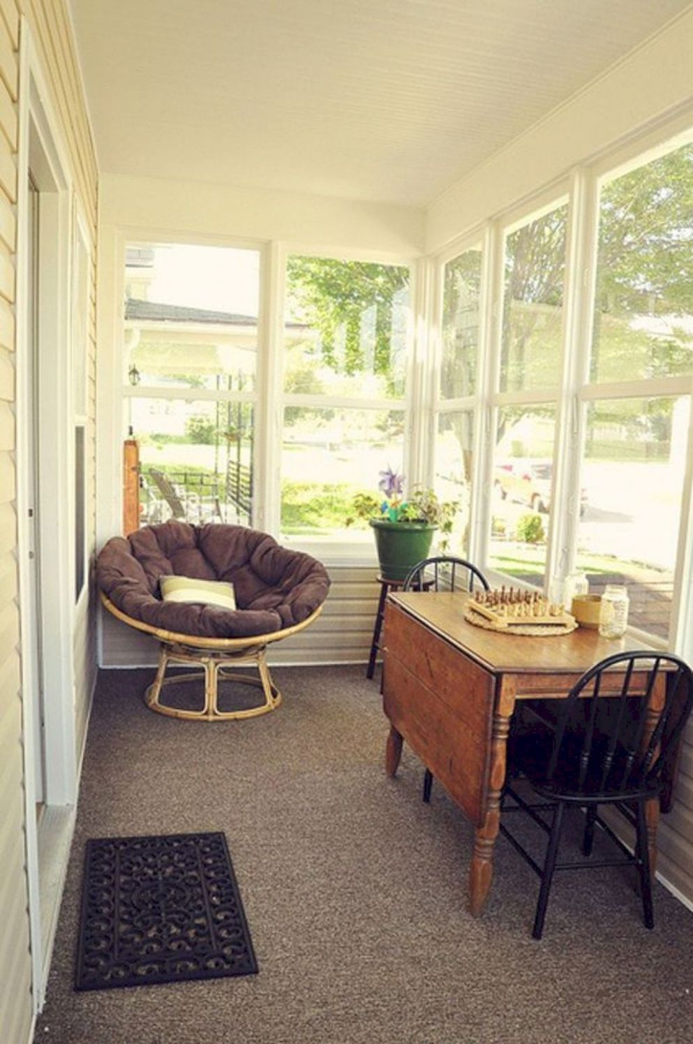11 Comfy Farmhouse Sunroom Makeover Ideas (With images) | Sunroom ..