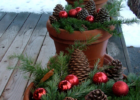 11 Front Porch Christmas Decor Ideas To Make This Year!