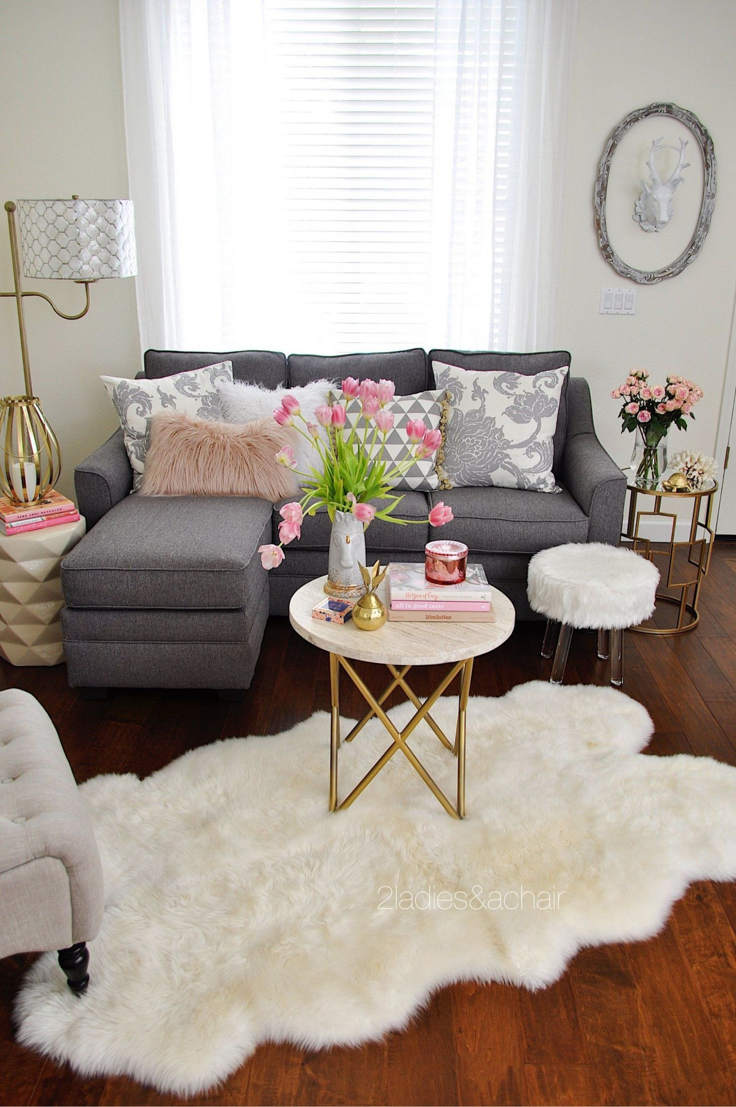 11 Ideas to Style Your Home for Spring | Small living room decor ..