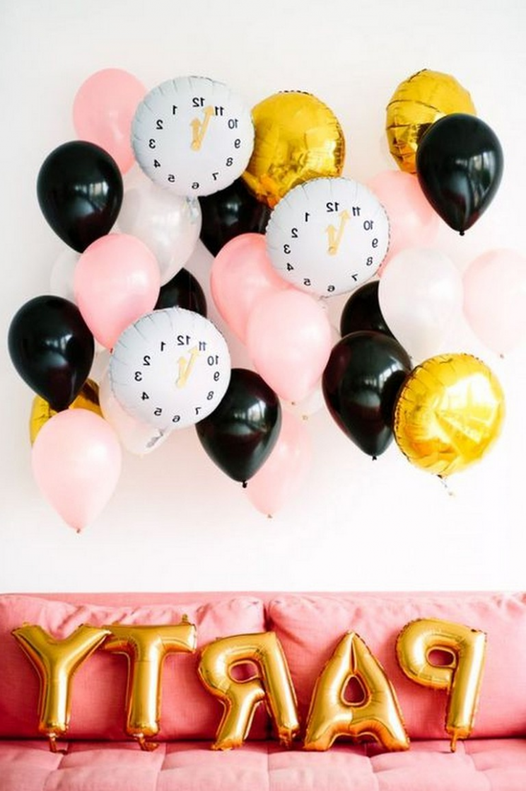 11+ Simple DIY New Years Eve Party Decor Ideas (With images) | New ...