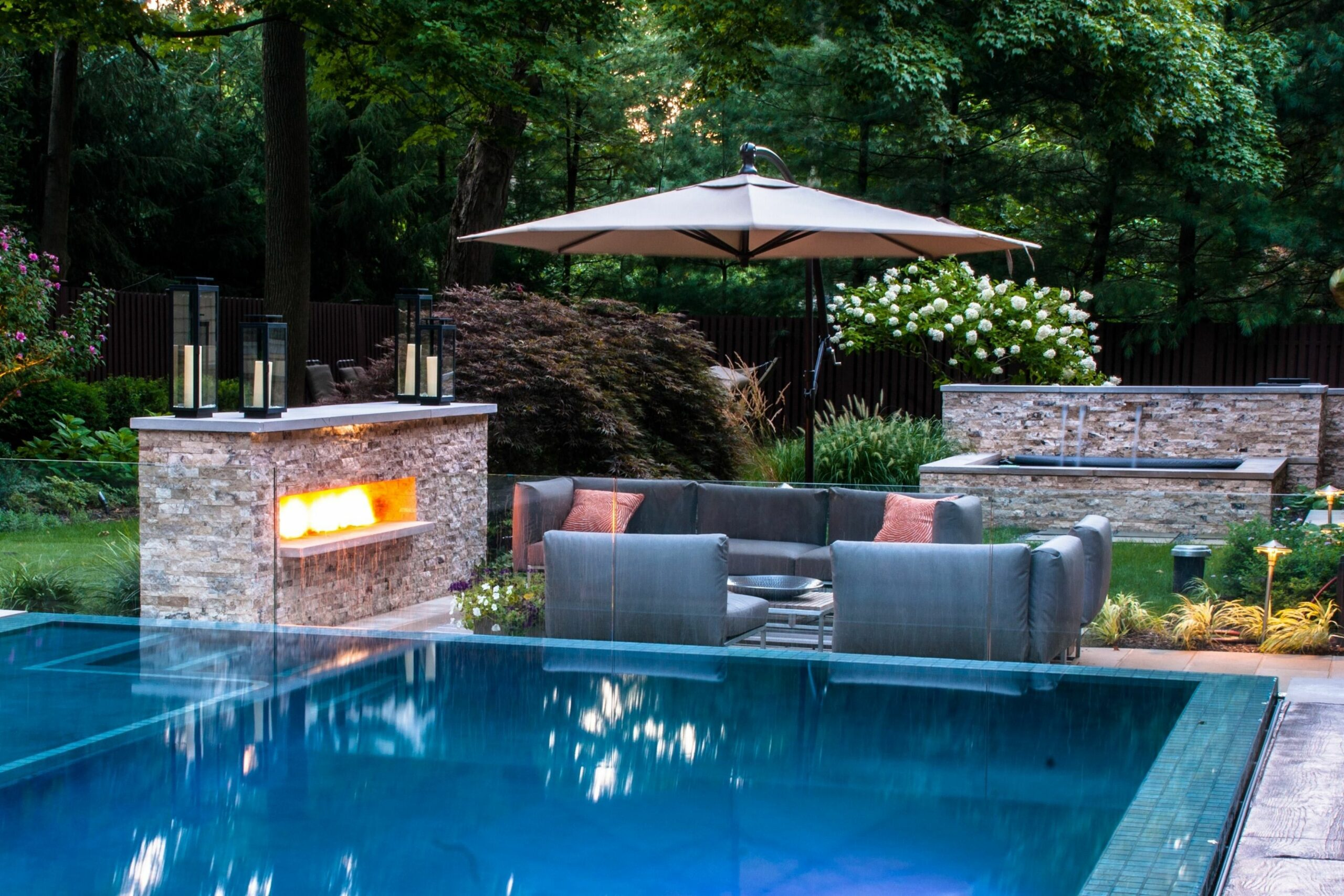 11 Some of the Coolest Tricks of How to Upgrade Small Backyard ...