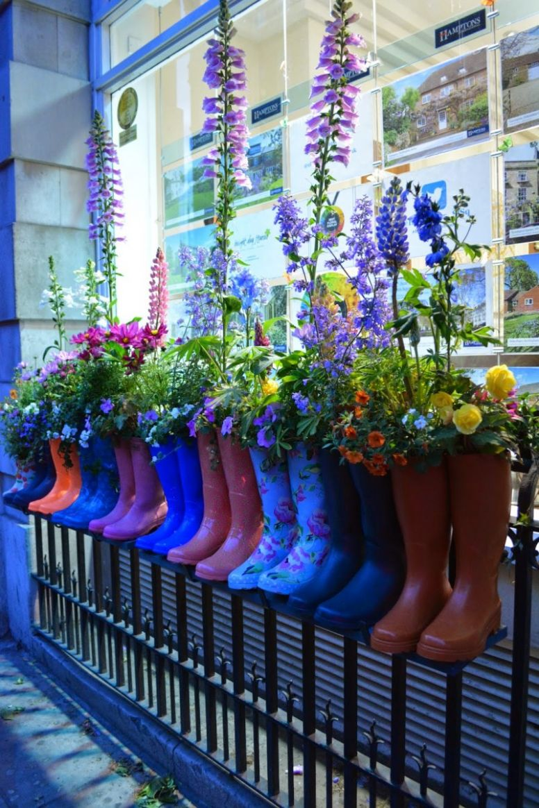 11 Tips to Make Your Window Box Flourish and 11 Ideas to Inspire You - window box ideas without flowers