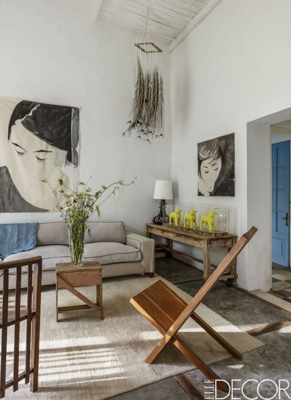 12 Best Wall Decor Ideas - How to Decorate a Large Wall