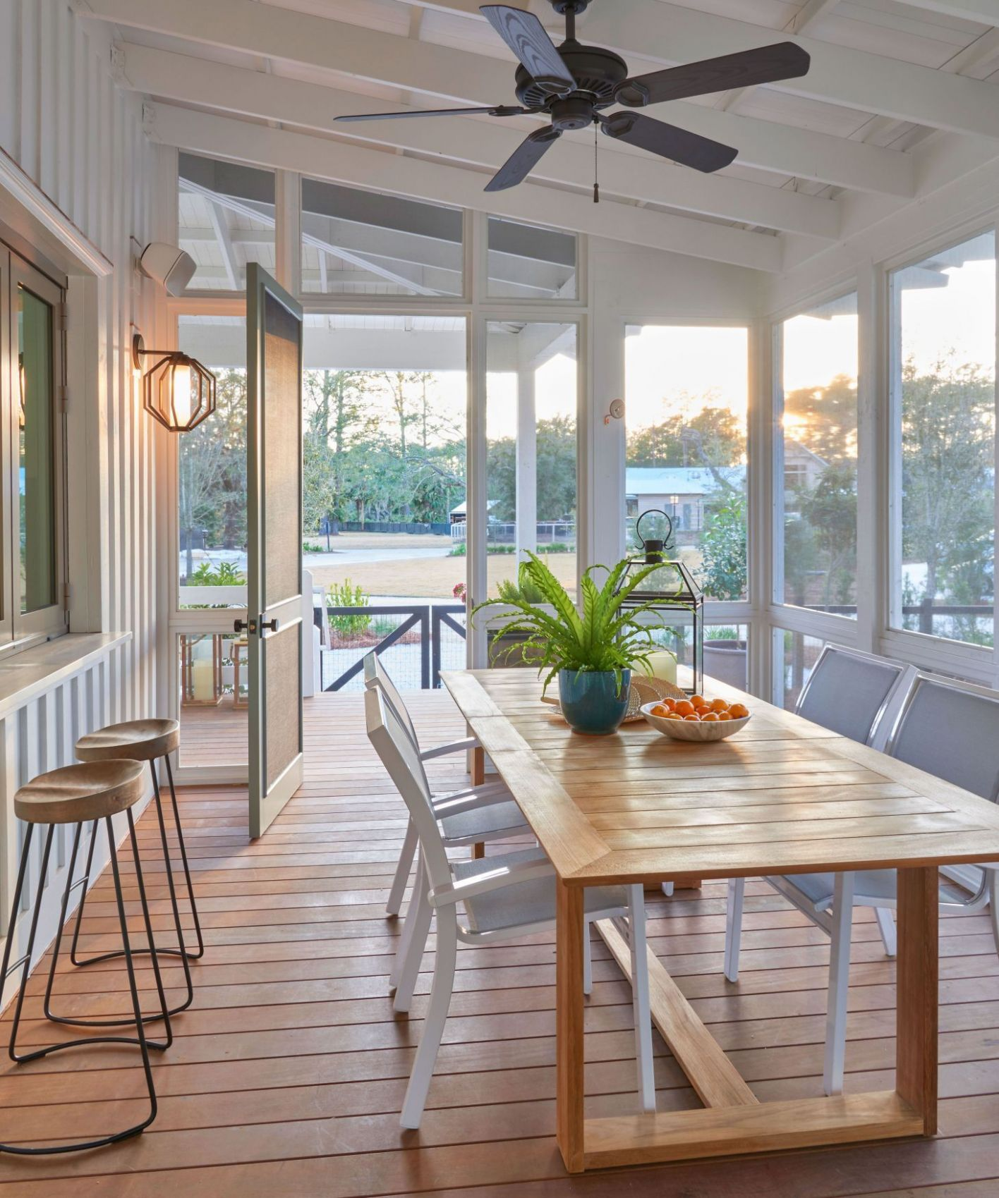 12 Charming Sun Room Design Ideas For Relaxing Room (With images ..