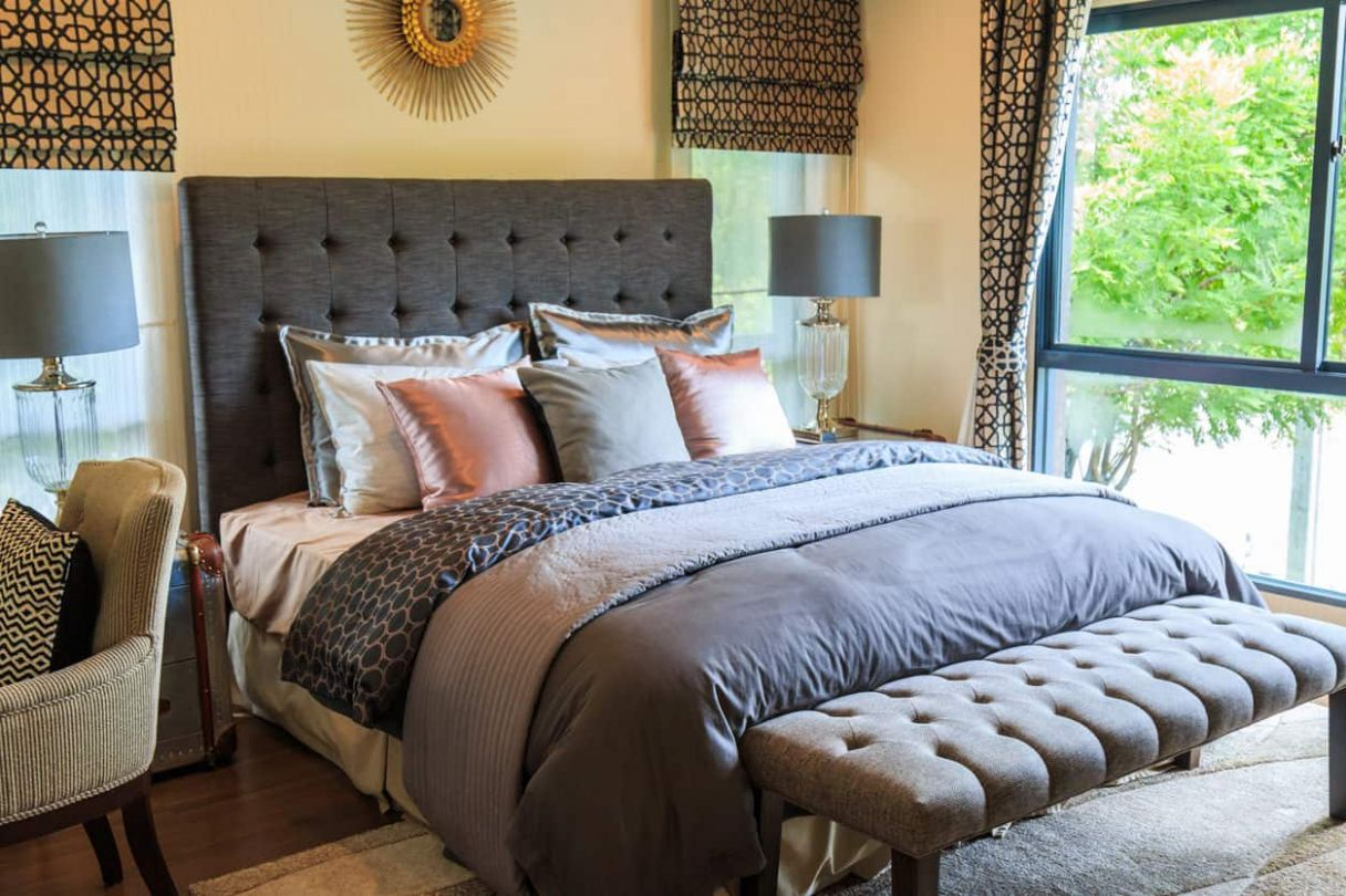 12 Clever Small Master Bedroom Ideas (Photos)