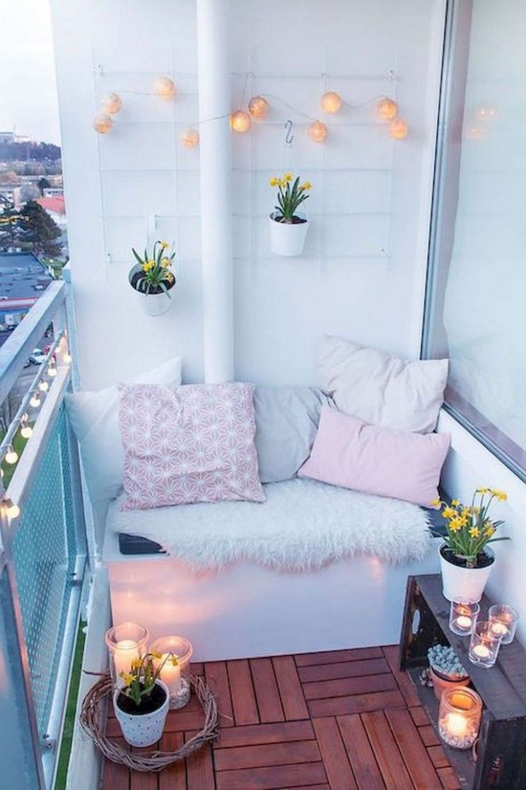 12+ Comfortable Small Balcony Makeover Ideas | First apartment ..
