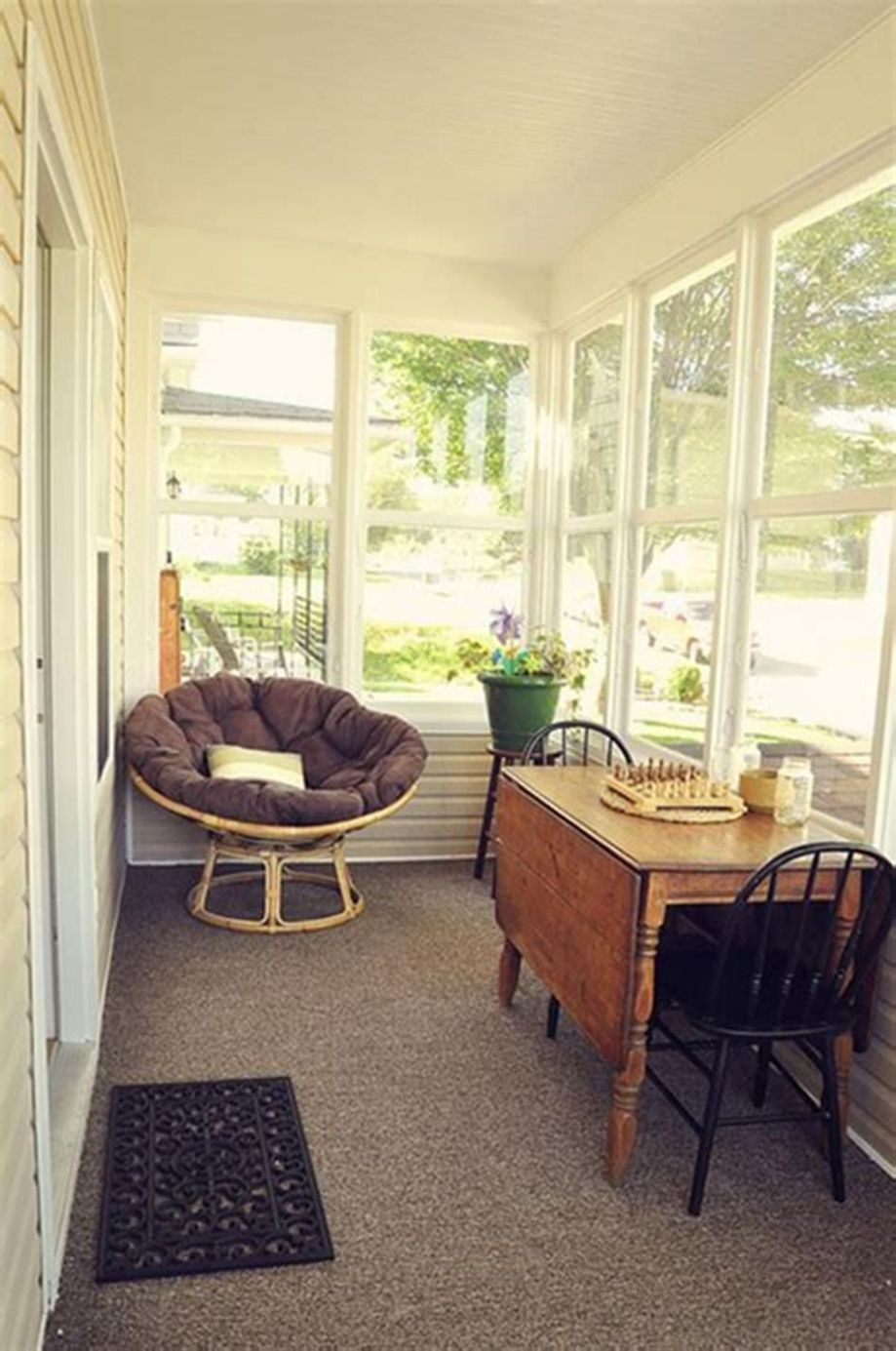 12 Cozy Sunroom Decorating Ideas On a Budget | Sunroom decorating ..