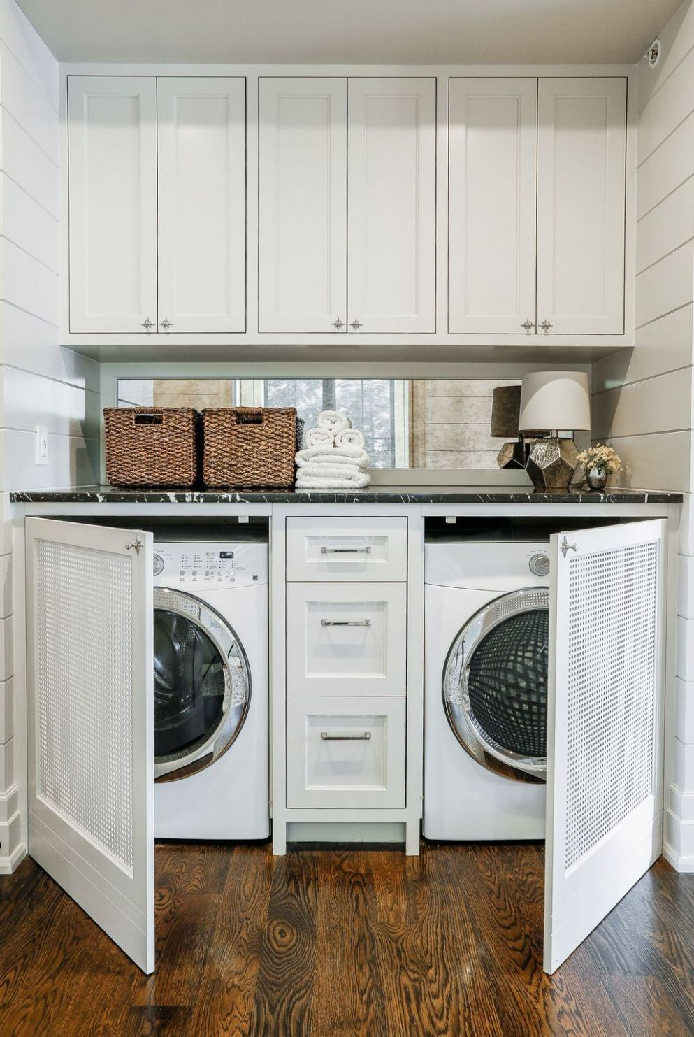12+ Fascinating Small Laundry Room Design Ideas (With images ...