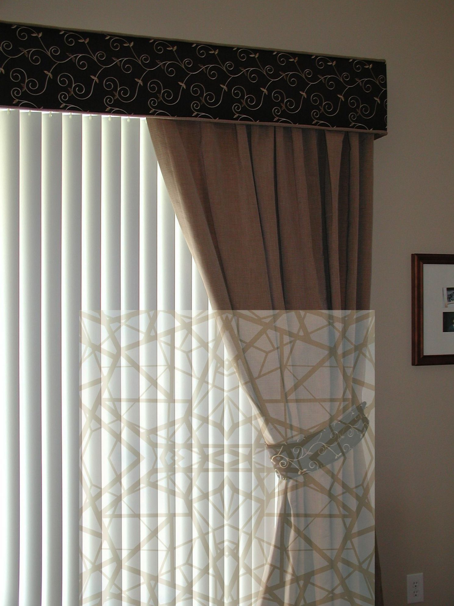 12+ Glorious Patterned Roller Blinds Ideas (With images) | Wooden ...