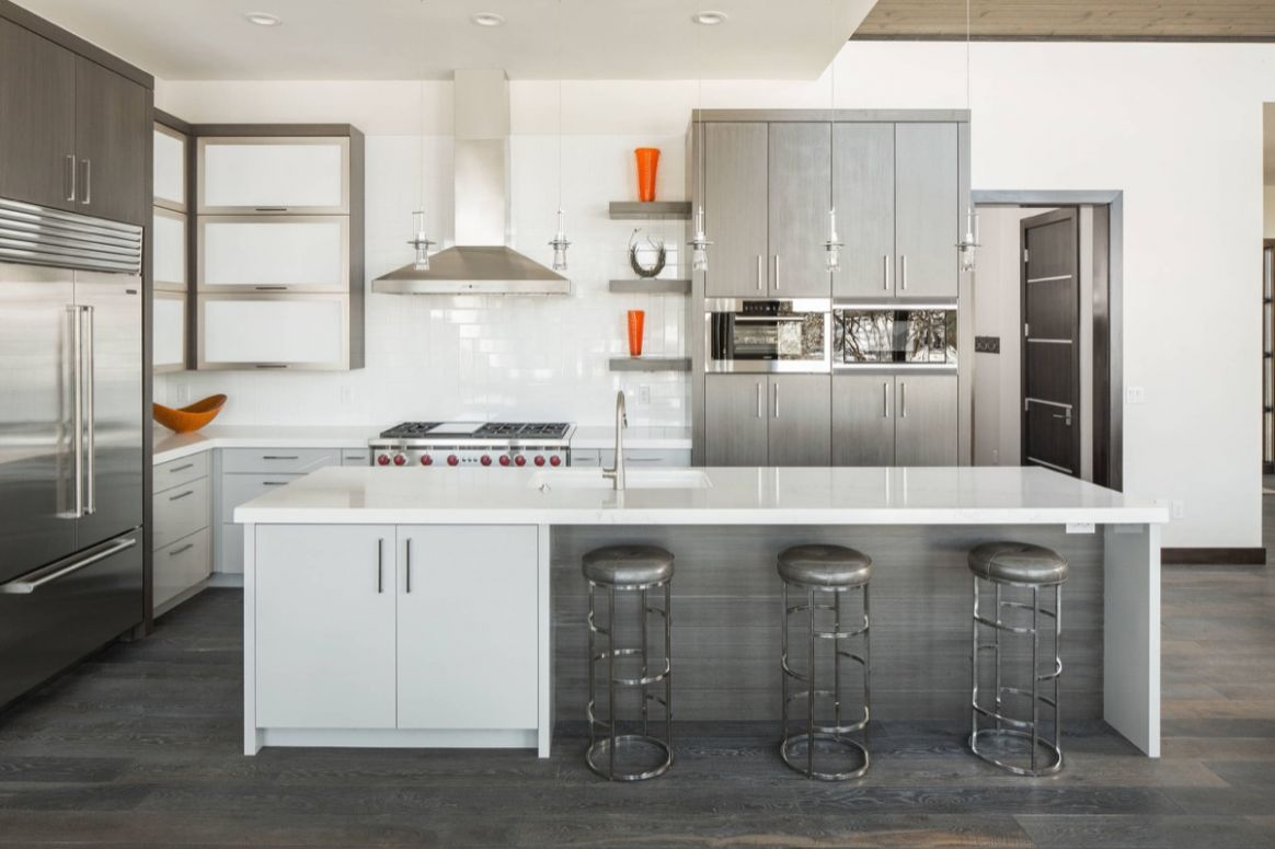 12 Gorgeous Grey and White Kitchens that Get Their Mix Right
