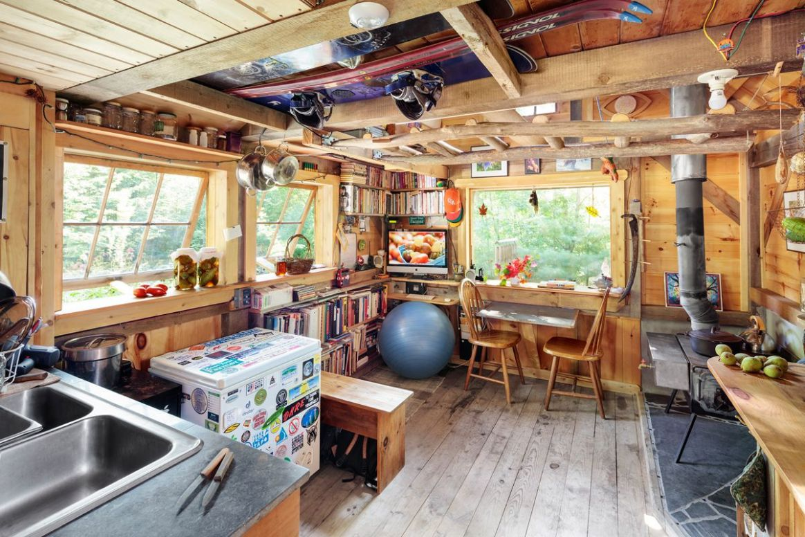 12 Maine Tiny Homes with Lots of Character   Tiny house, Small ..