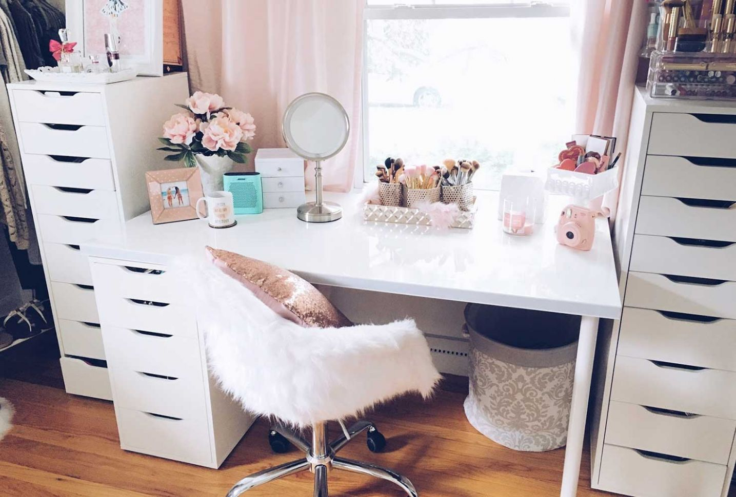 12 Makeup Room Ideas To Brighten Your Morning Routine | Shutterfly - makeup room chair