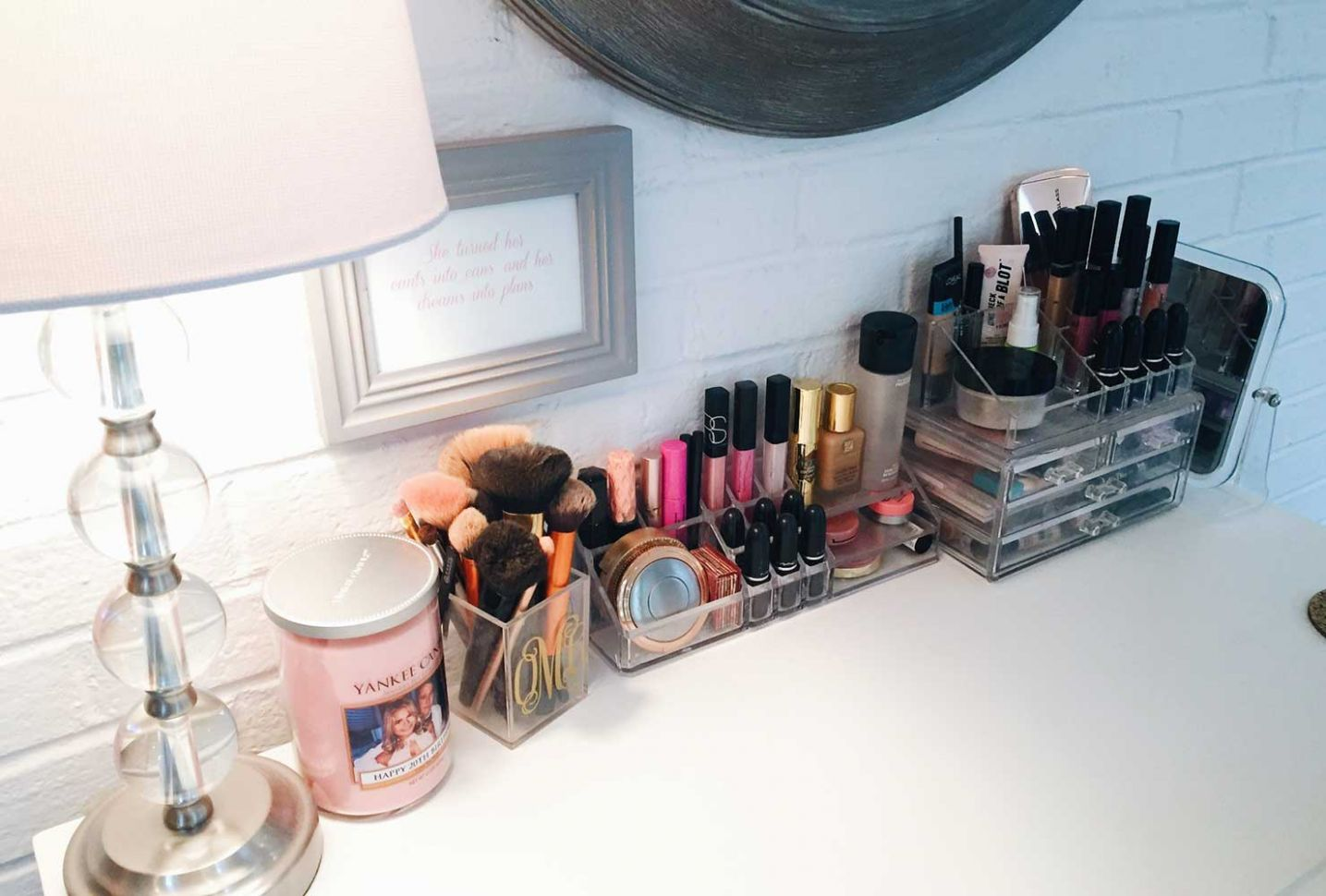 12 Makeup Room Ideas To Brighten Your Morning Routine | Shutterfly - makeup room organization