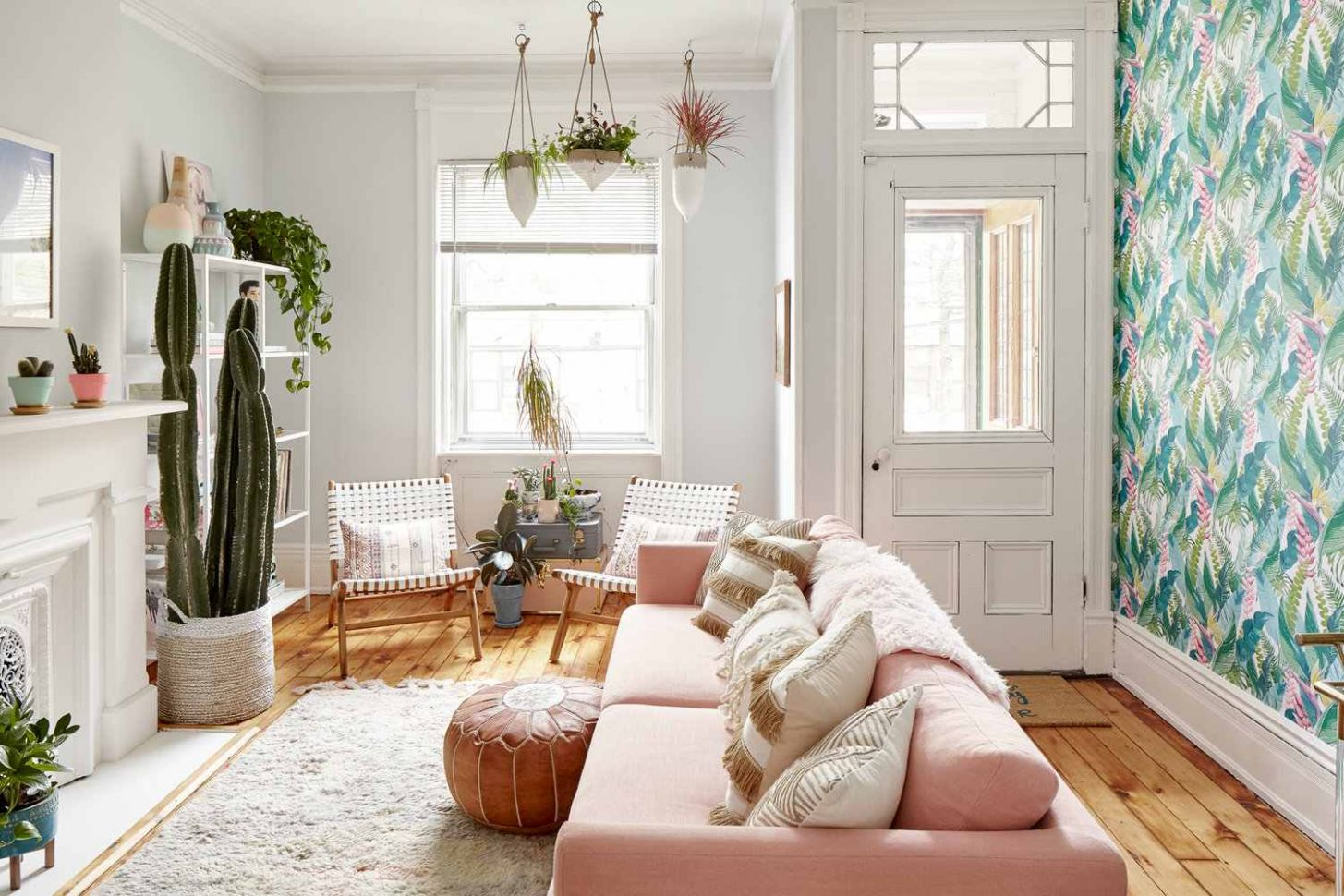 12 Simple Small Living Room Ideas Brimming With Style - 11 x 18 living room ideas