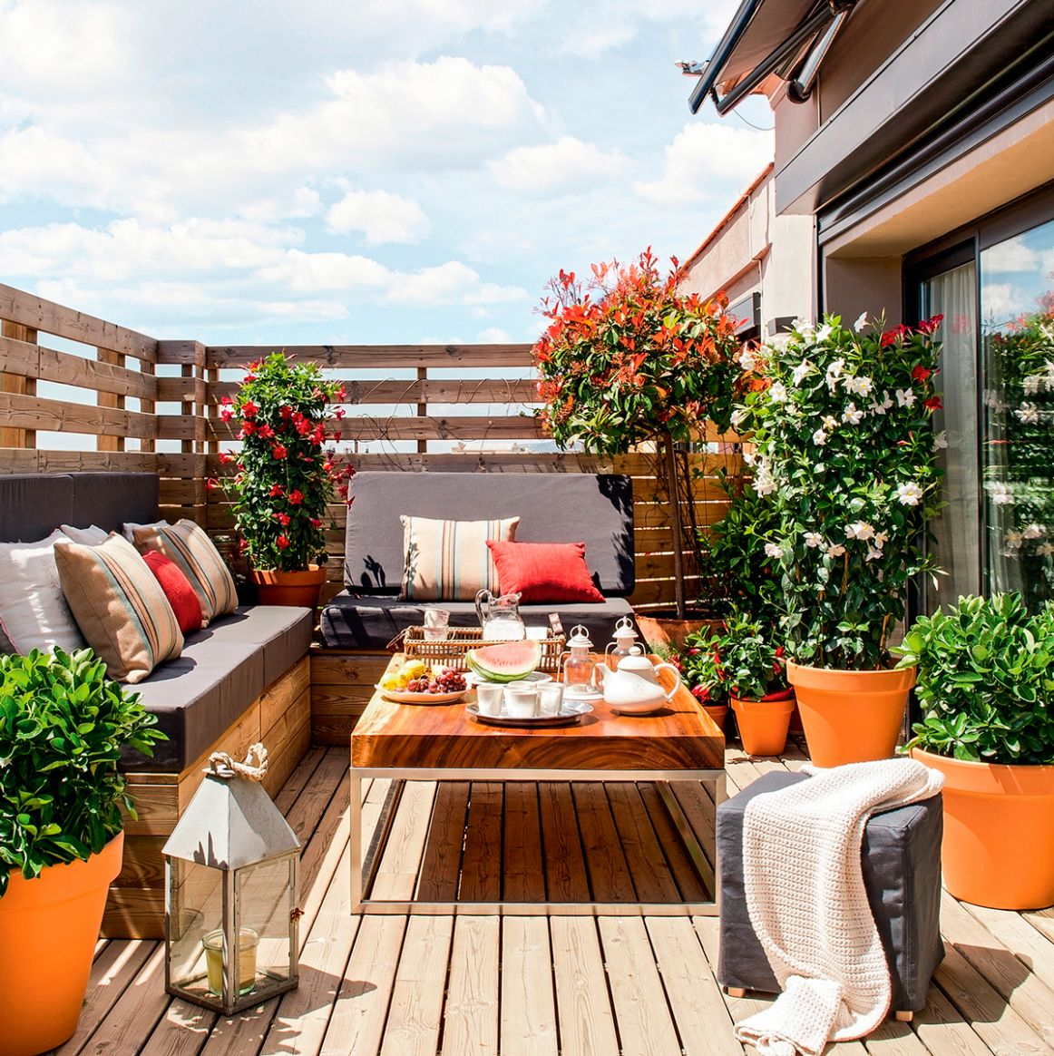 12 Small Balcony Ideas That Will Make You Fall in Love | Virginia ...