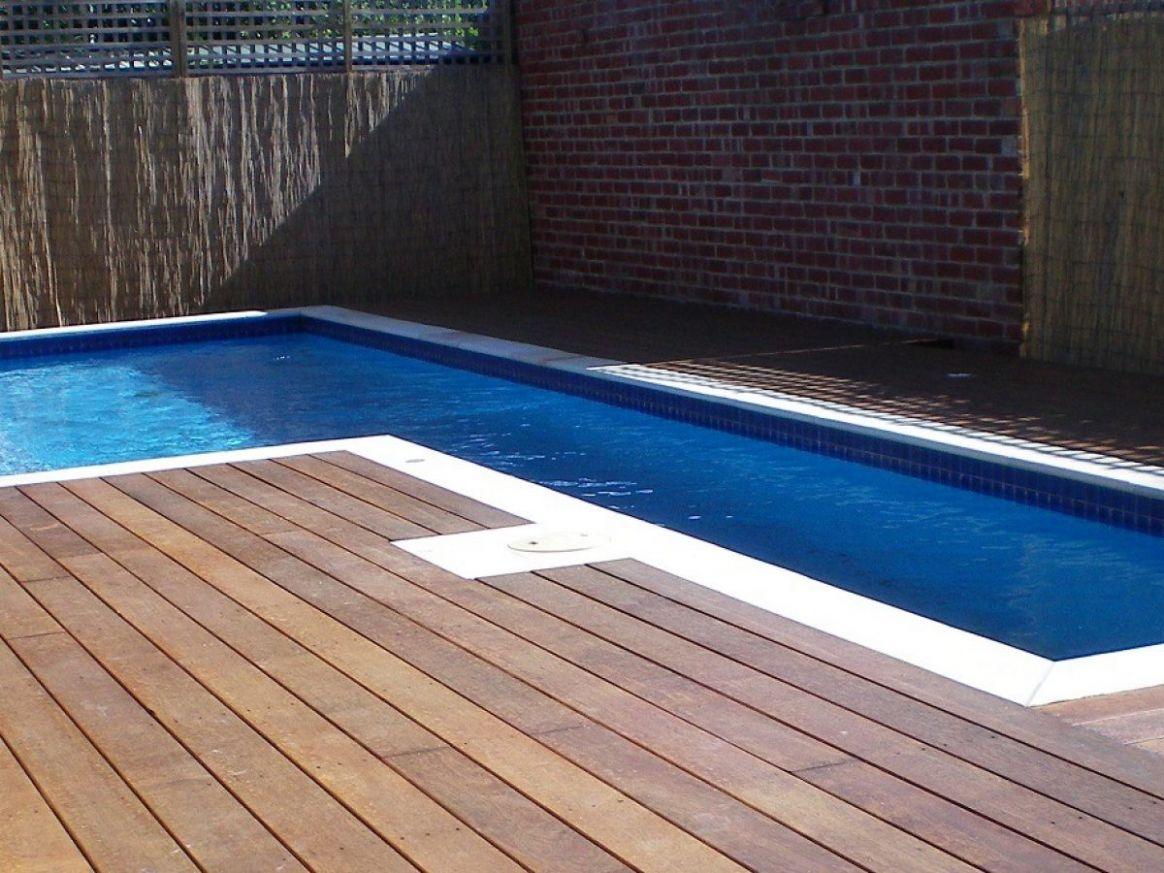 8 Above Ground Pools with Decks – Tips, Ideas & Design ...